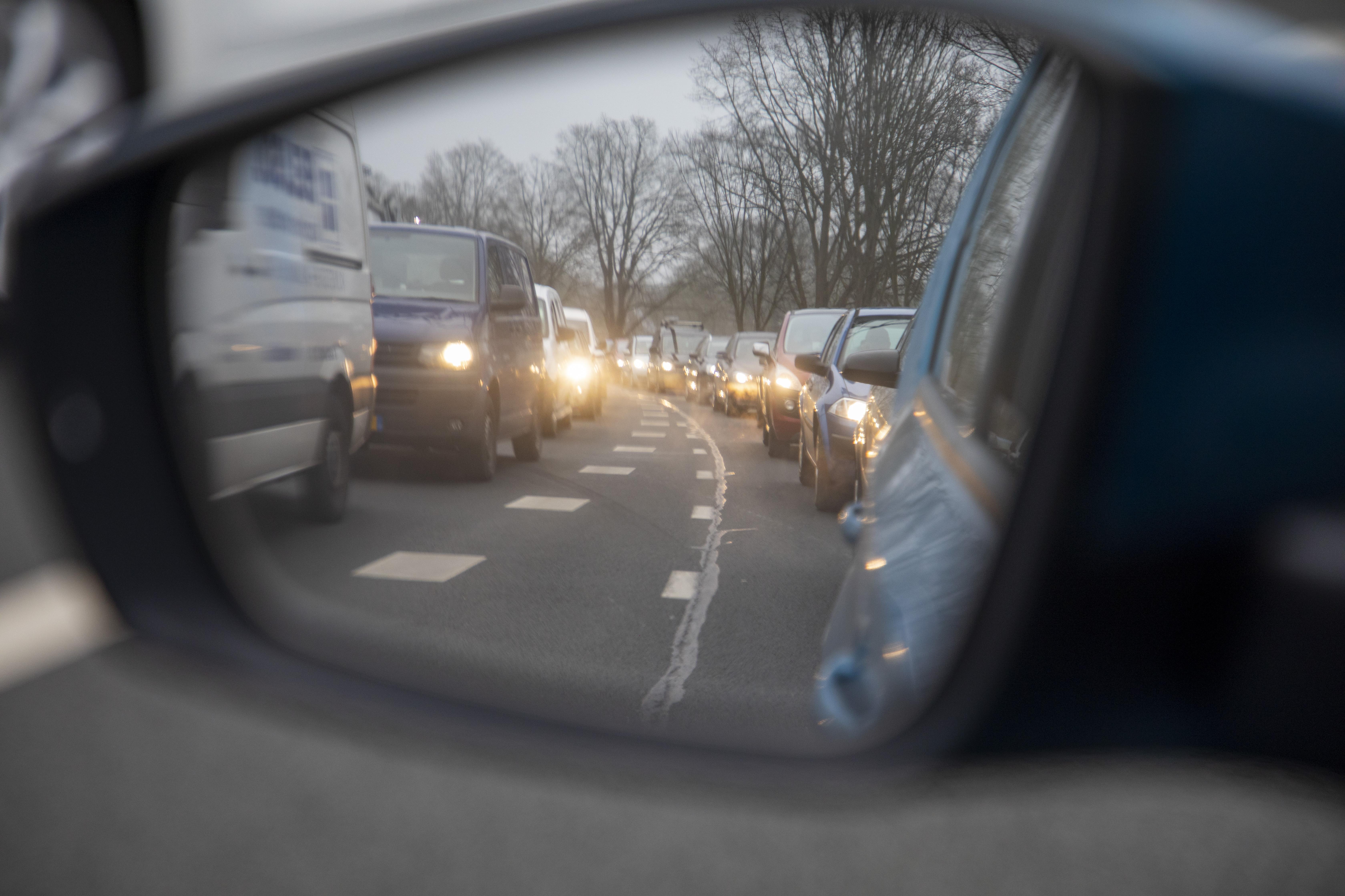 ANWB pleit voor 'filehulp' bij Velsertunnel, na zoveelste verkeerschaos door technische problemen
