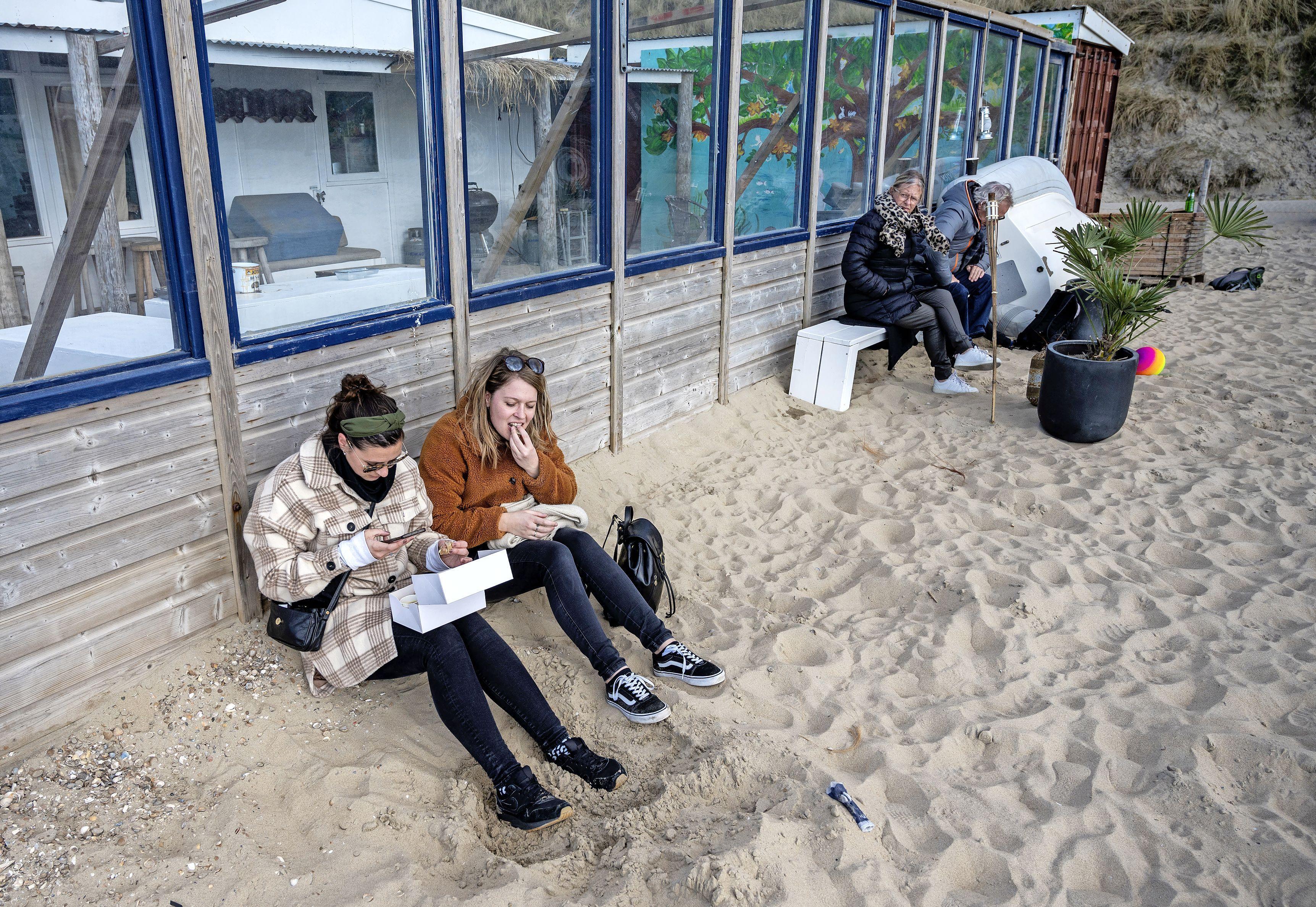 'Eindelijk weer wat reuring': Take-Away Walk Zandvoort brengt jonge mensen naar het dorp