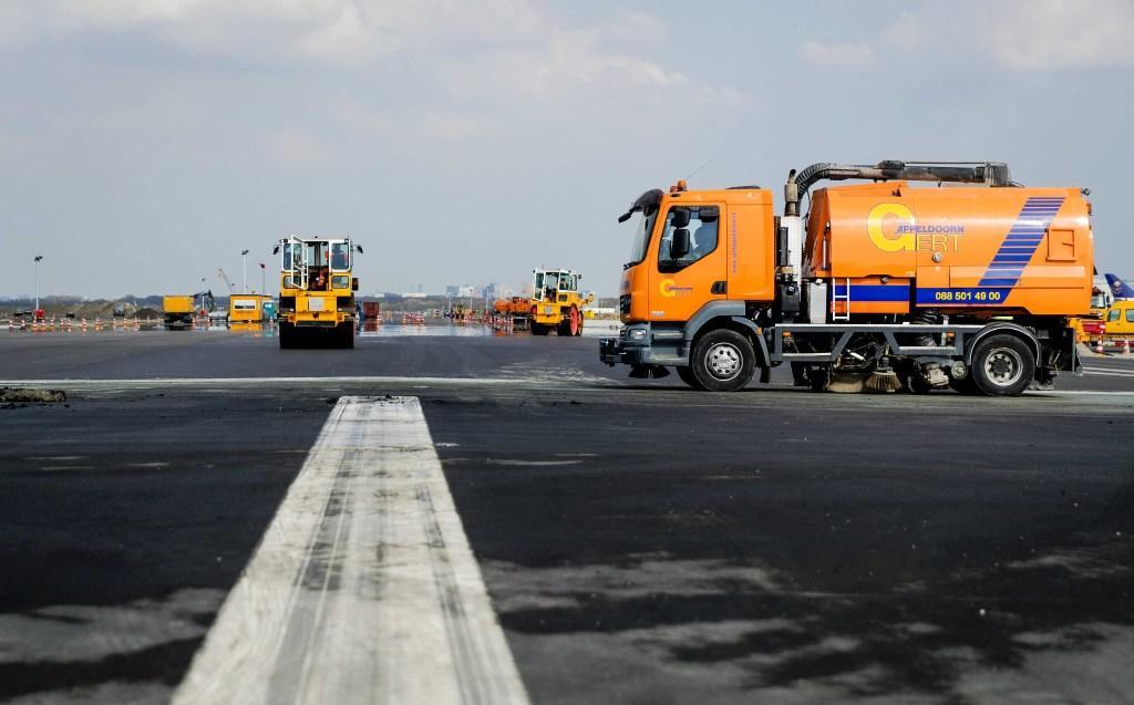 Kaagbaan op Schiphol eerder open, Zwanenburgbaan zes weken dicht