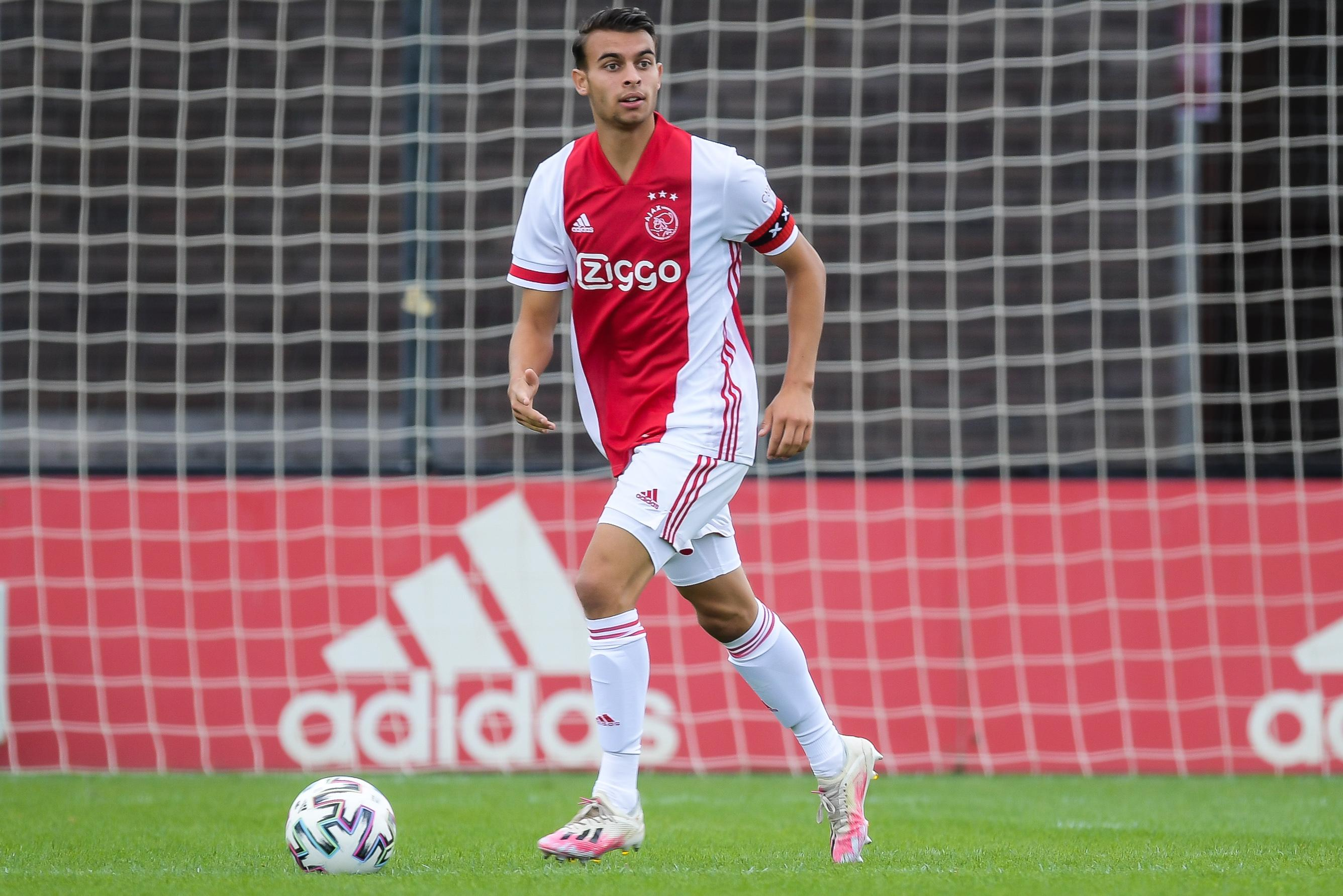 Purmerender met Spaans temperament Enric Llansana streeft Champions League-niveau na: opgevoed mét en door Ajax [video]