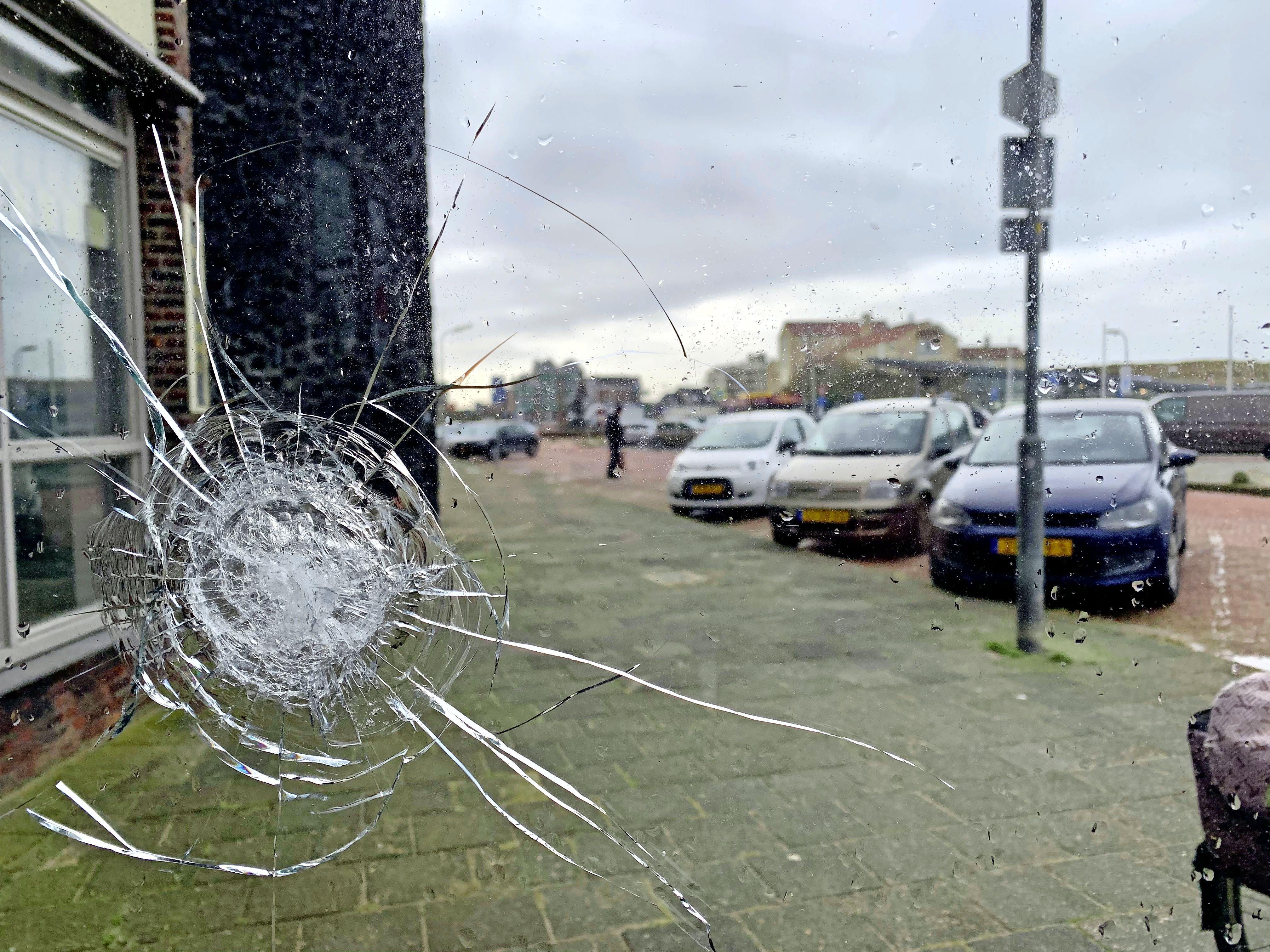 Voorarrest maximaal verlengd: de zes Colombianen die zijn gearresteerd na de schietpartij in Bergen aan Zee blijven nog minstens 90 dagen in de cel