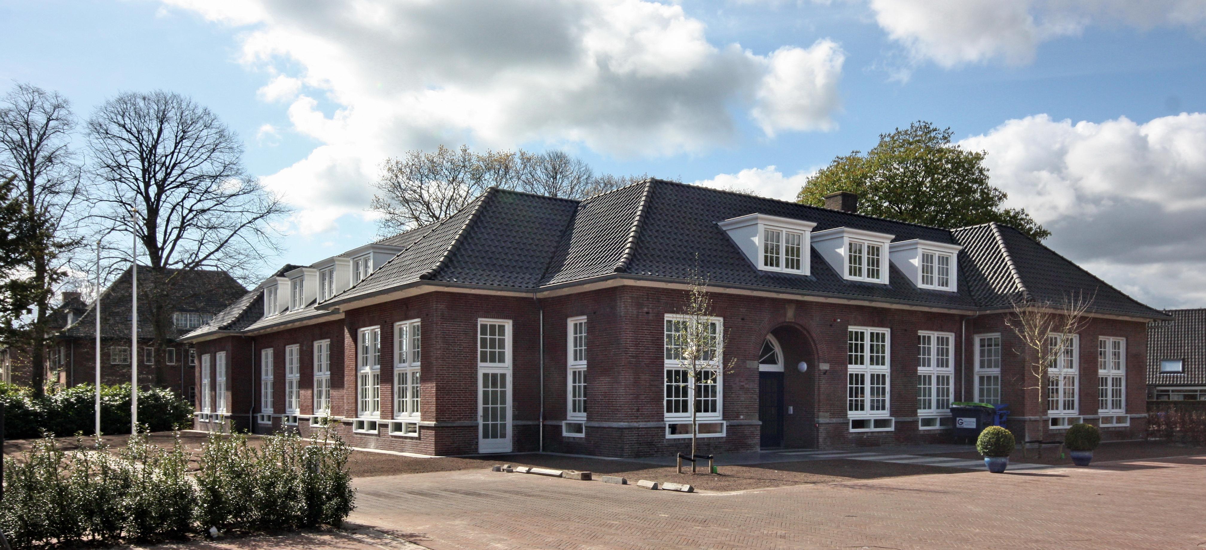 HvB-raadslid pleit voor openhouden balie burgerzaken in Blaricum. 'Zo'n loopje naar het gemeentehuis is zo heerlijk dorps'