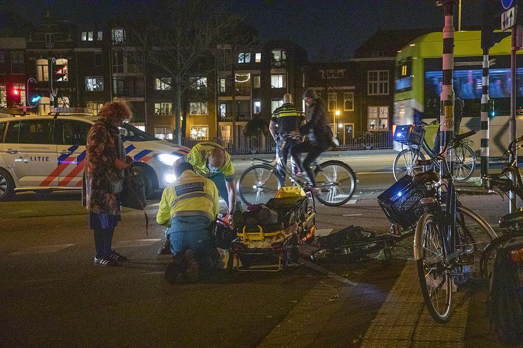 Fietsster gewond bij ongeval in Haarlem, toedracht nog onduidelijk