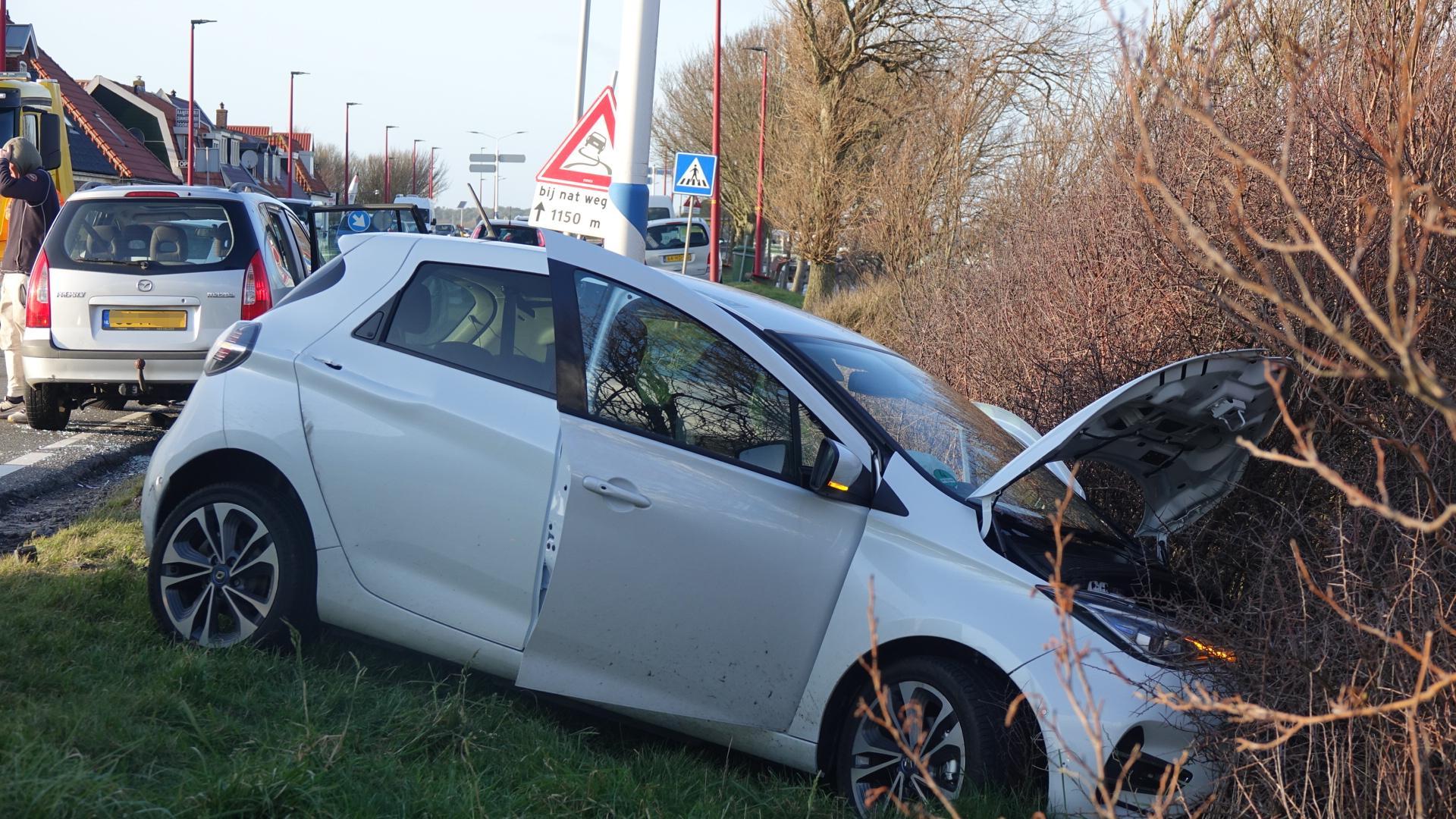 Veel schade en vertraging door ongeluk op N9 bij Burgerbrug