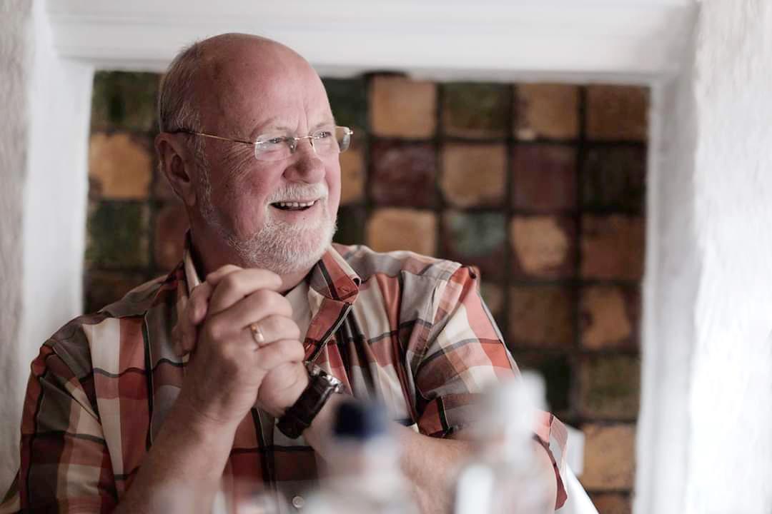 Over de Doden: Michiel Bloemendaal uit Santpoort-Noord, de opa die met blote handen krokodillen ving