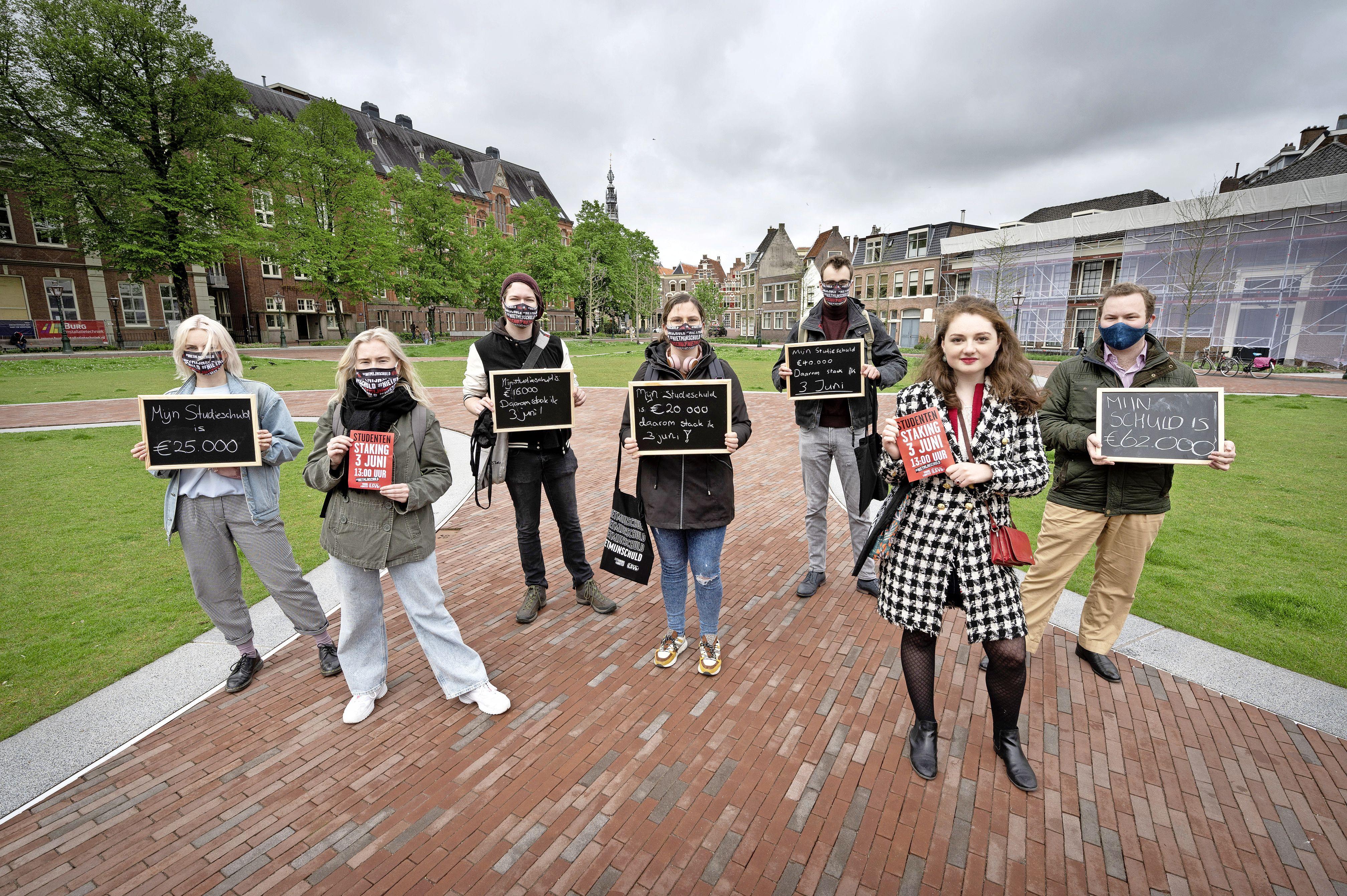 Tonnetje aan studieschuld voert actie tegen leenstelsel: 'Schuld zorgt voor stress'