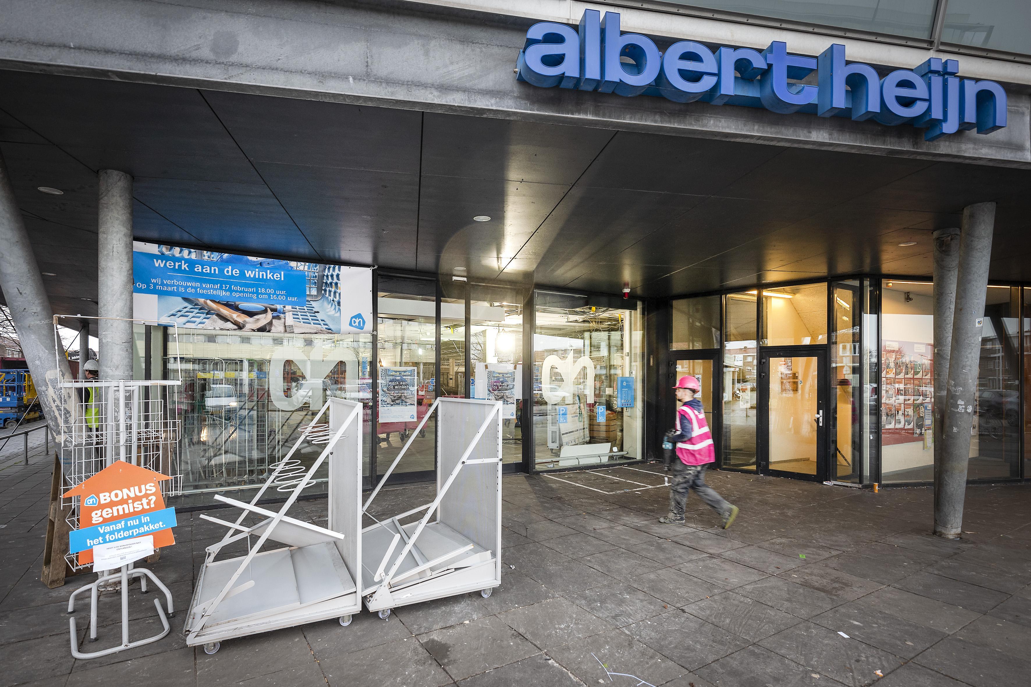 Metamorfose voor Albert Heijn aan Dudokplein in IJmuiden. Na verbouwing veel meer producten en zelfscankassa's