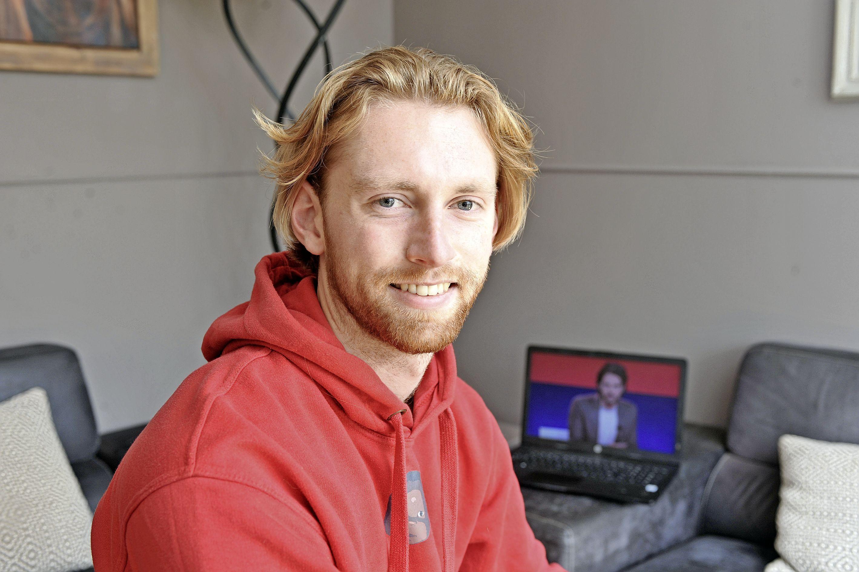 Mats (22) sloot zich een maand af voor sociale media. Nu is hij niet meer verslaafd: 'Gebruik social media, laat je niet gebruiken' [video]