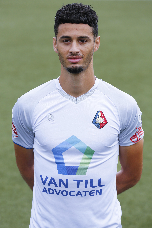 Gewilde Telstar-verdediger Benaissa Benamar over interesse: 'FC Volendam is een mooie club, maar transfer is momenteel niet aan de orde'
