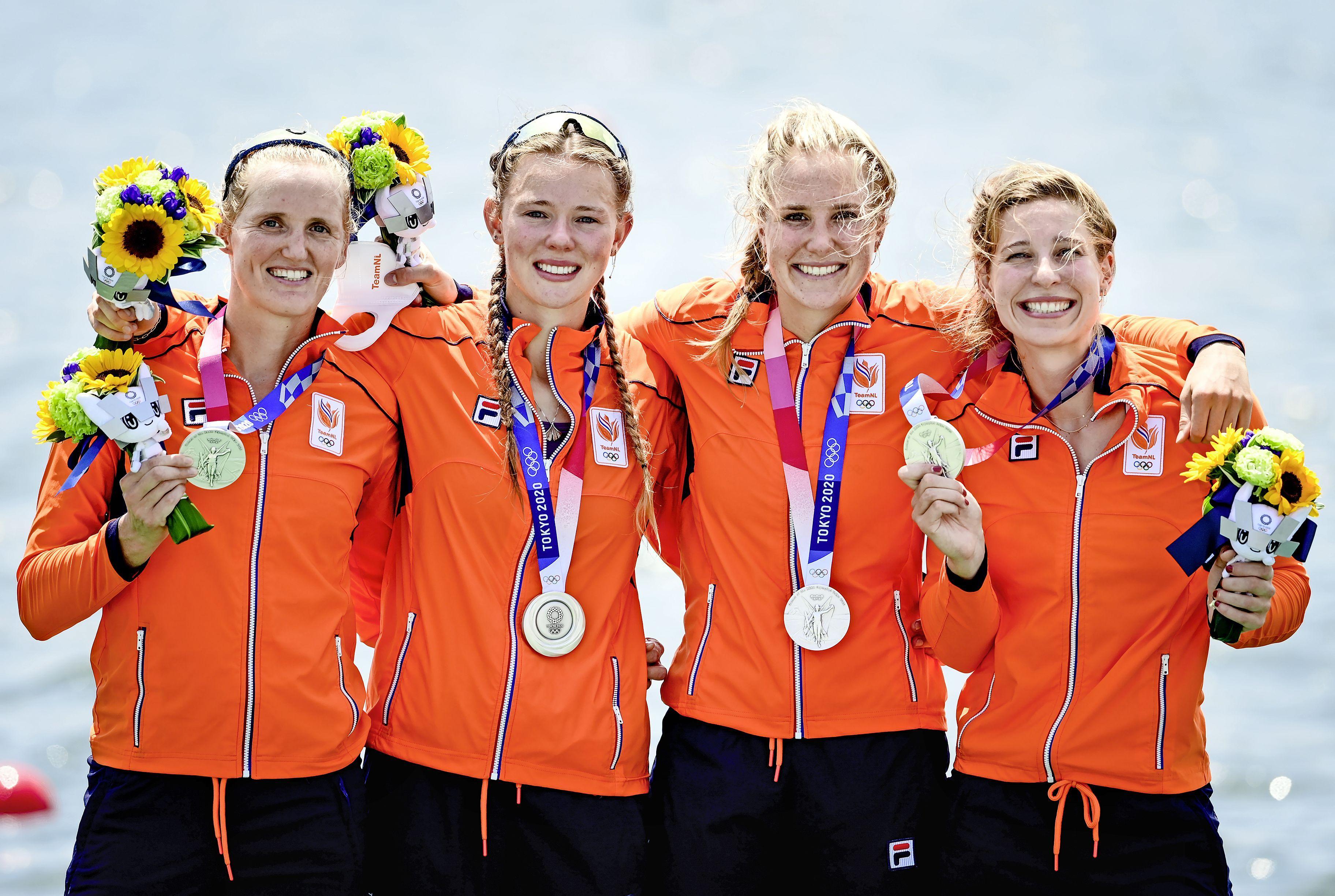 Zilver voor vier-zonder in olympisch roeitoernooi met Hilversumse Veronique Meester