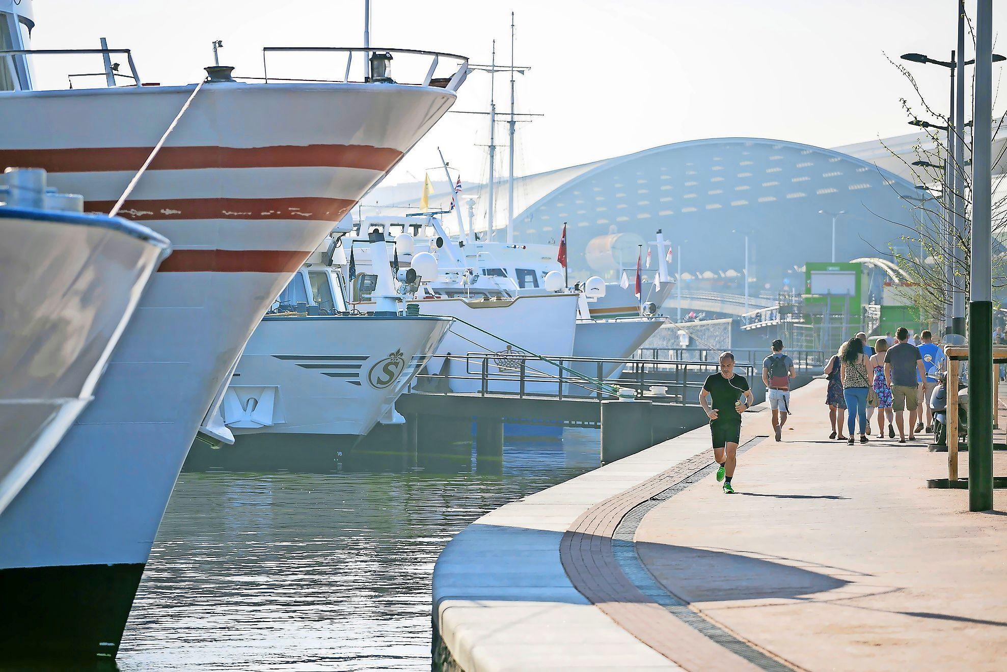 Werk genoeg in de havens van het Noordzeekanaalgebied, maar weten de jongeren dat?