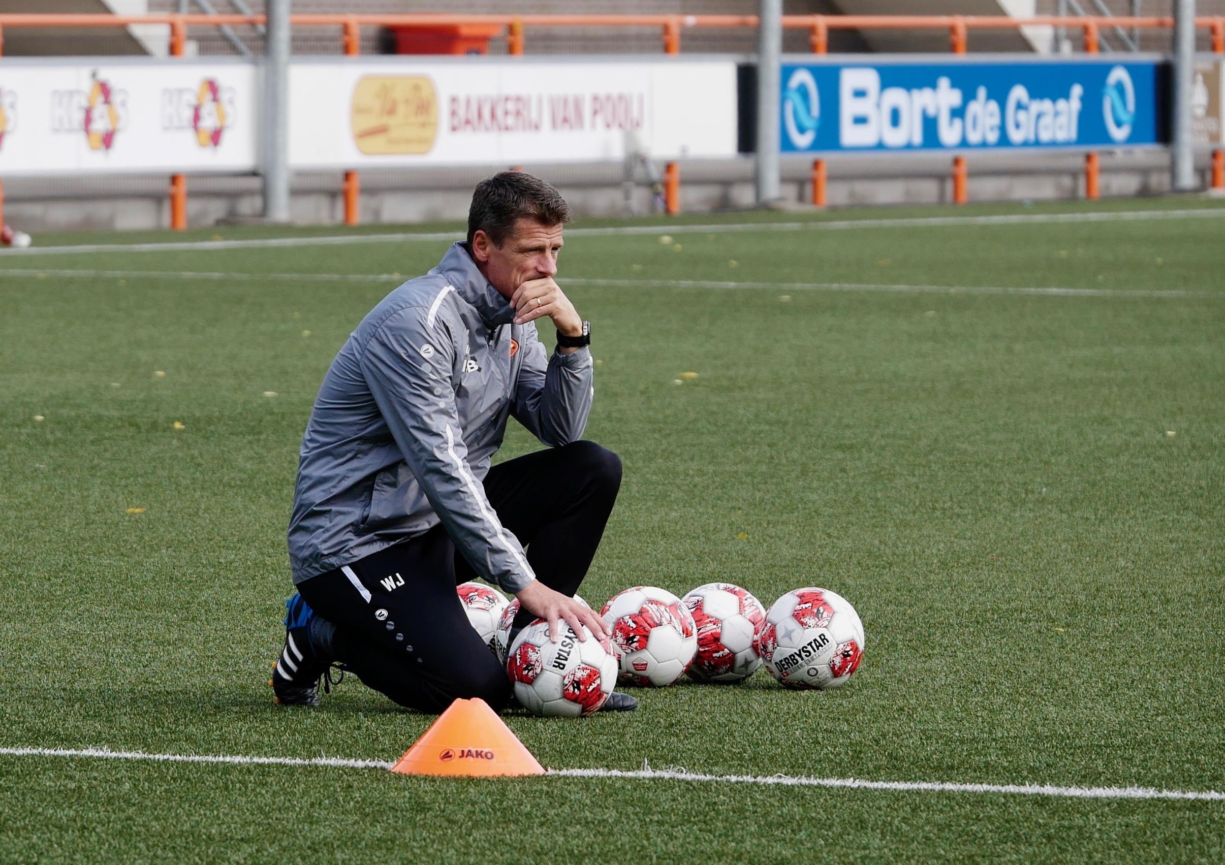 Het gras komt terug bij FC Volendam, maar de tijd is tekort om dat dit jaar al te doen en dus is er gekozen voor een 'tussenoplossing'