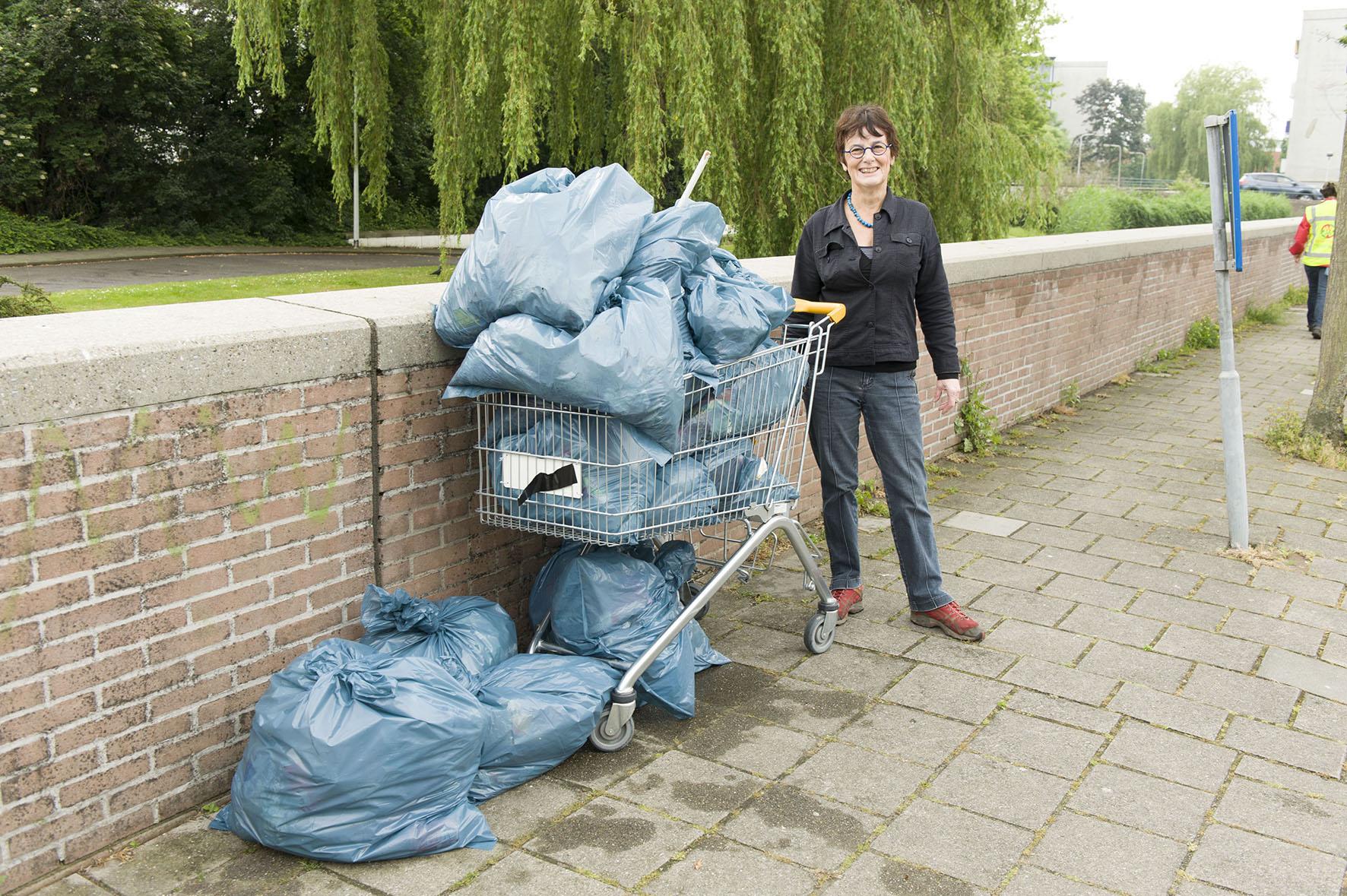 Merenwijk: meer afvalbakken