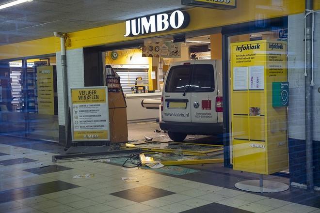Politie houdt verdachte aan van overval en ramkraak op Jumbo-filialen in Haarlem en Alkmaar