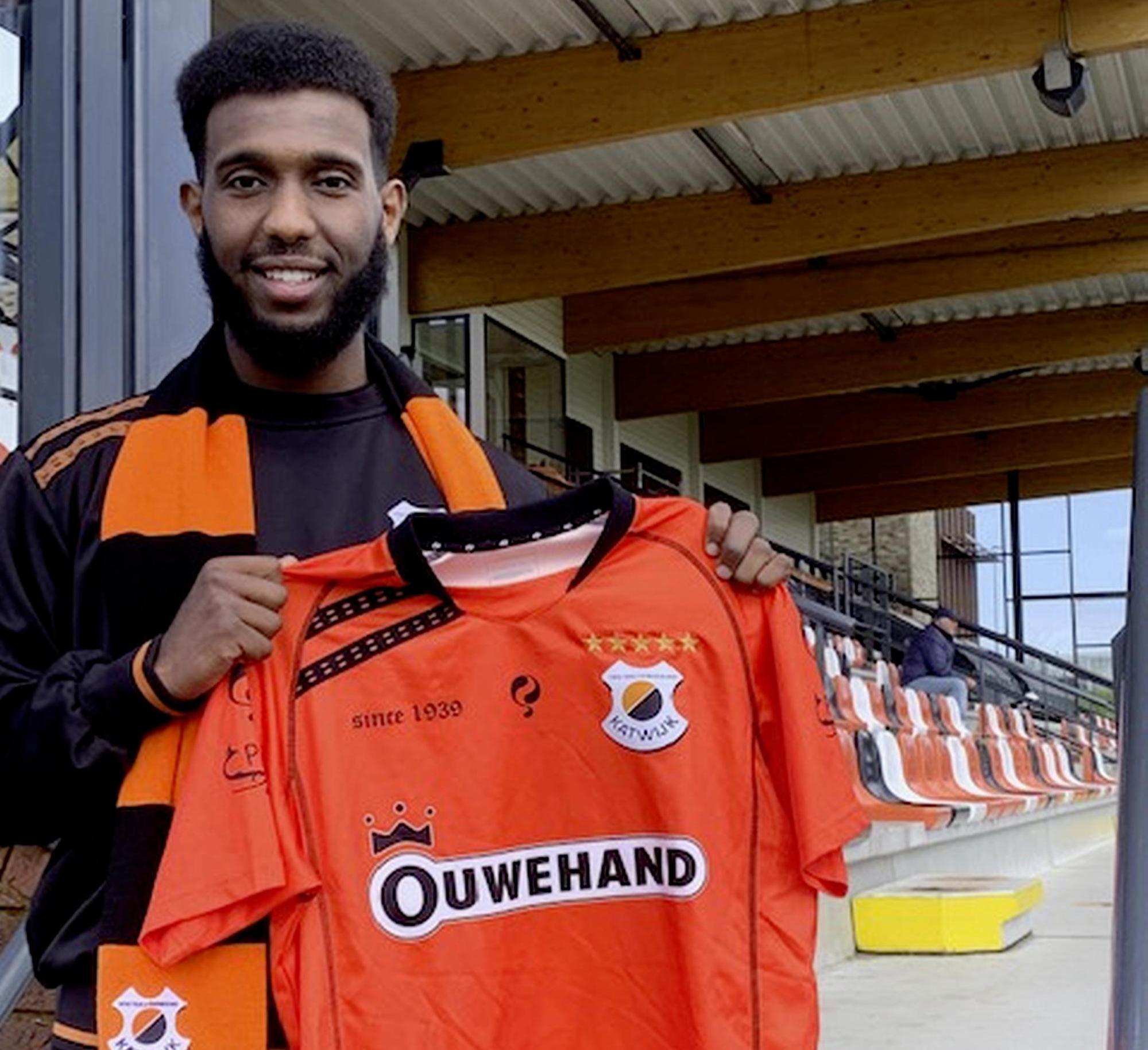 Begin maart zei Mukhtar Suleiman ja tegen Hollandia, dit weekend tekende de aanvaller bij Katwijk