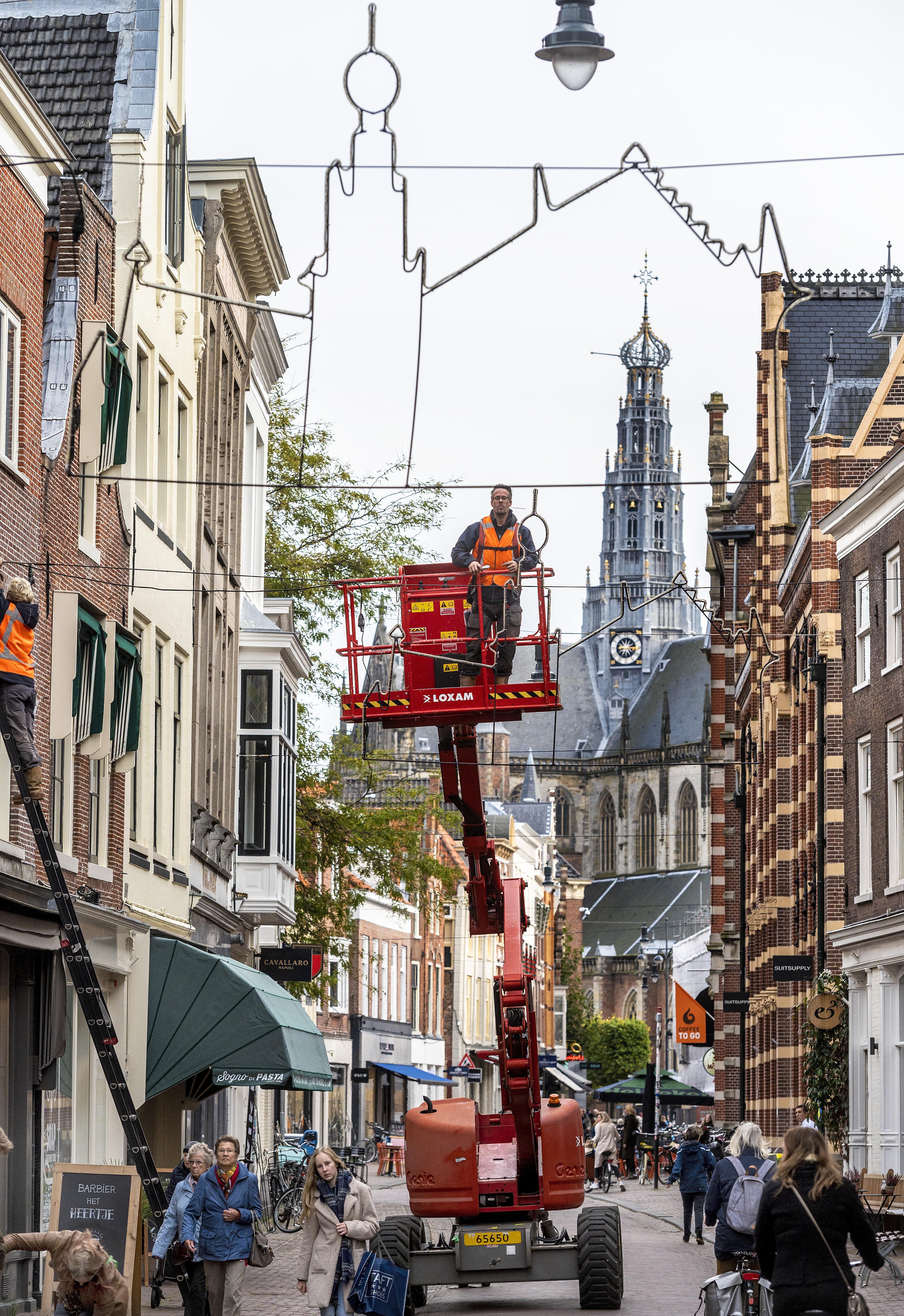 Alles is anders dit jaar in Haarlem, behalve de feestverlichting
