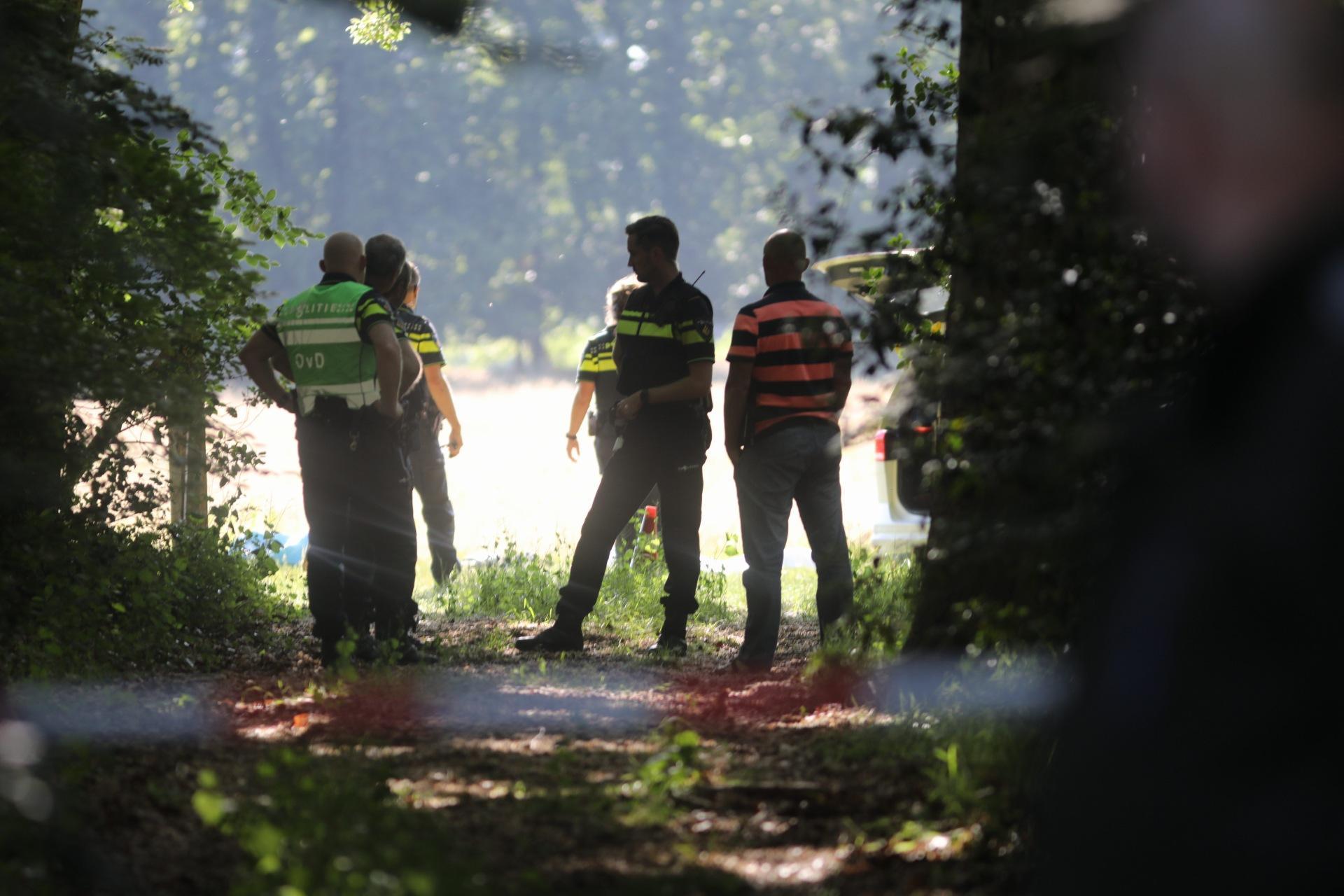 Politie schiet verdachte neer op Beresteinseweg in Hilversum