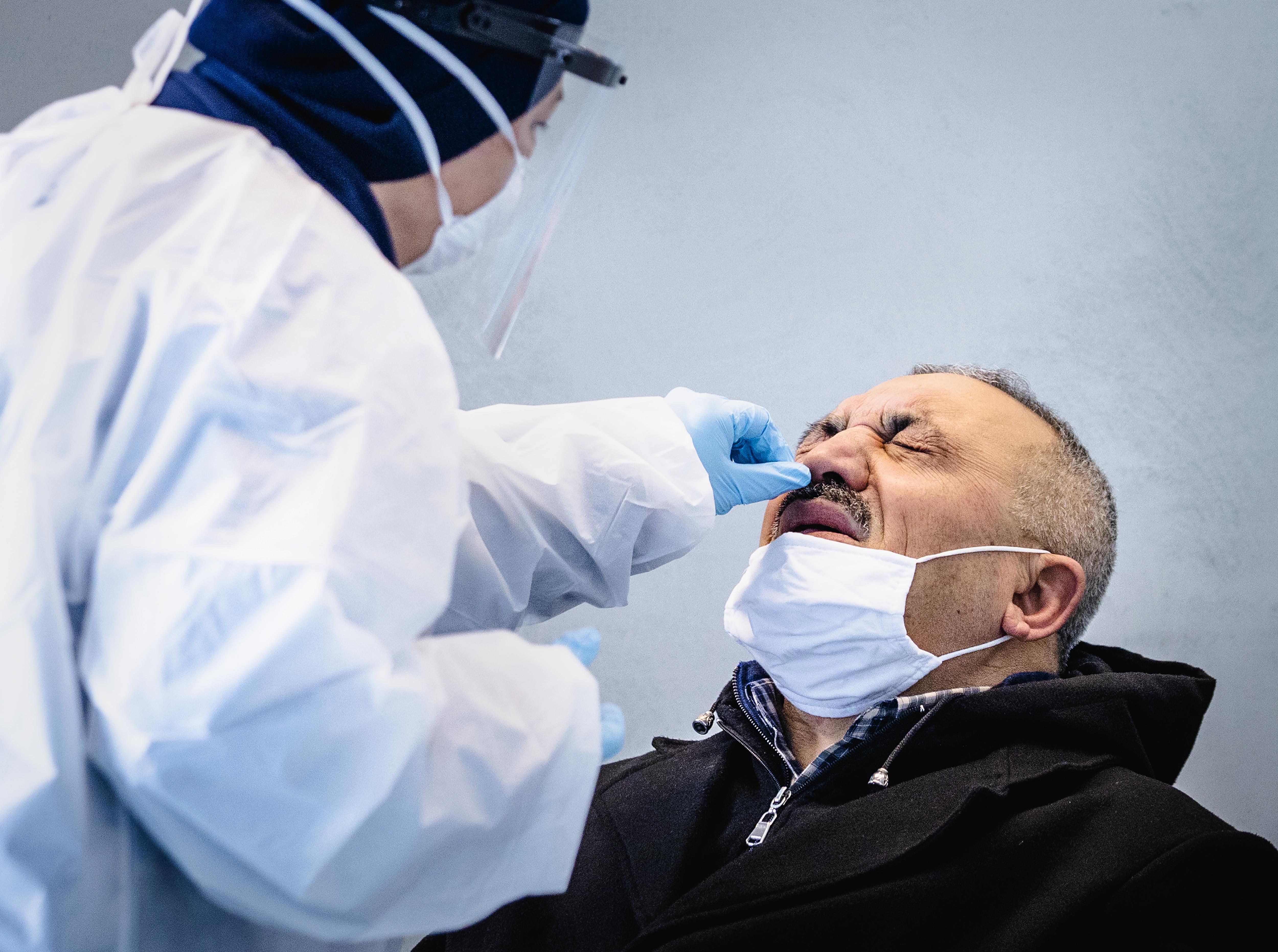Coronacijfers dinsdag: Aantal besmettingen in Haarlemse regio in de lift, rond het niveau van twee weken terug