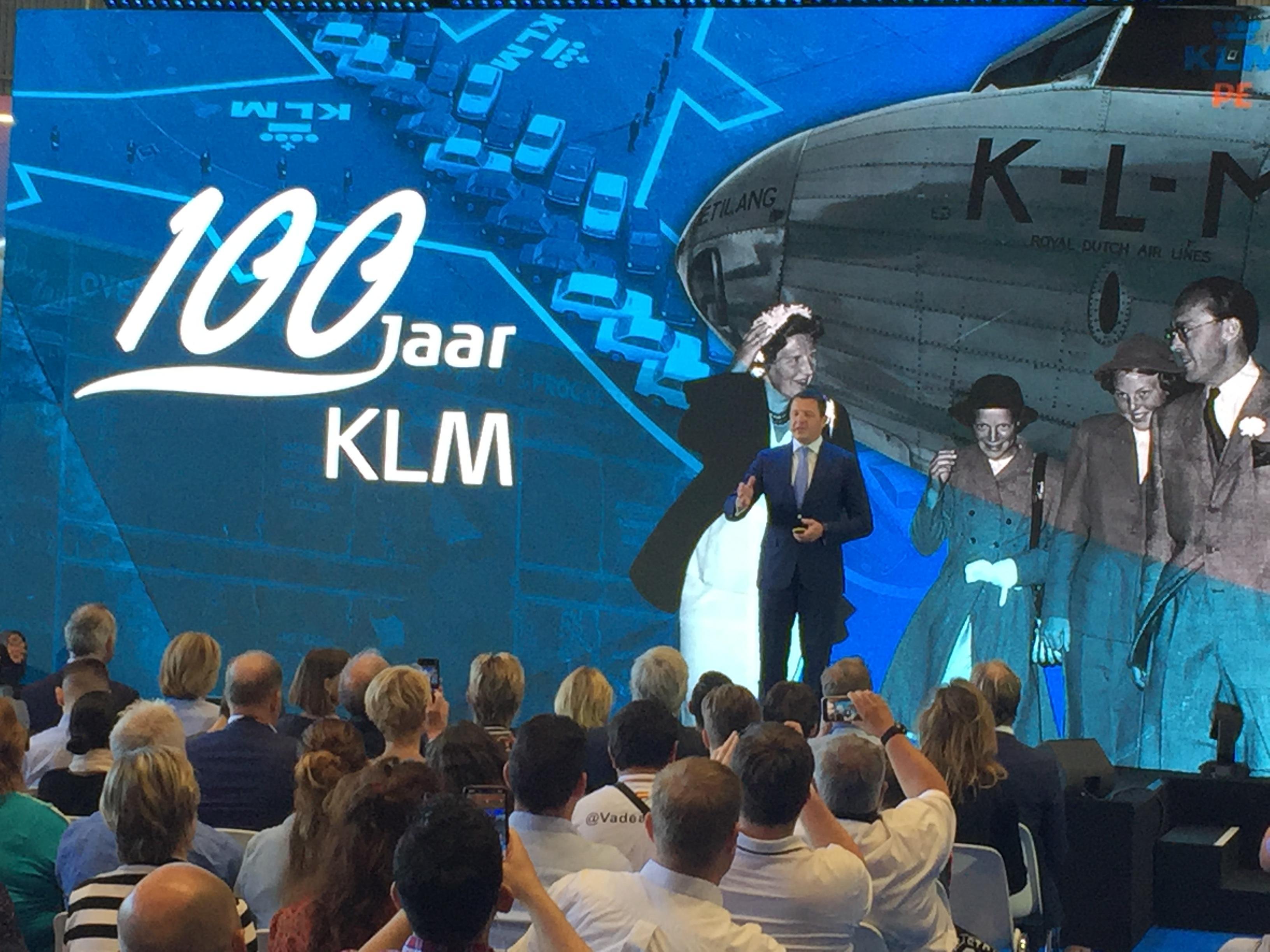 KLM start bij eeuwfeest campagne om verantwoordelijk te vliegen [video]
