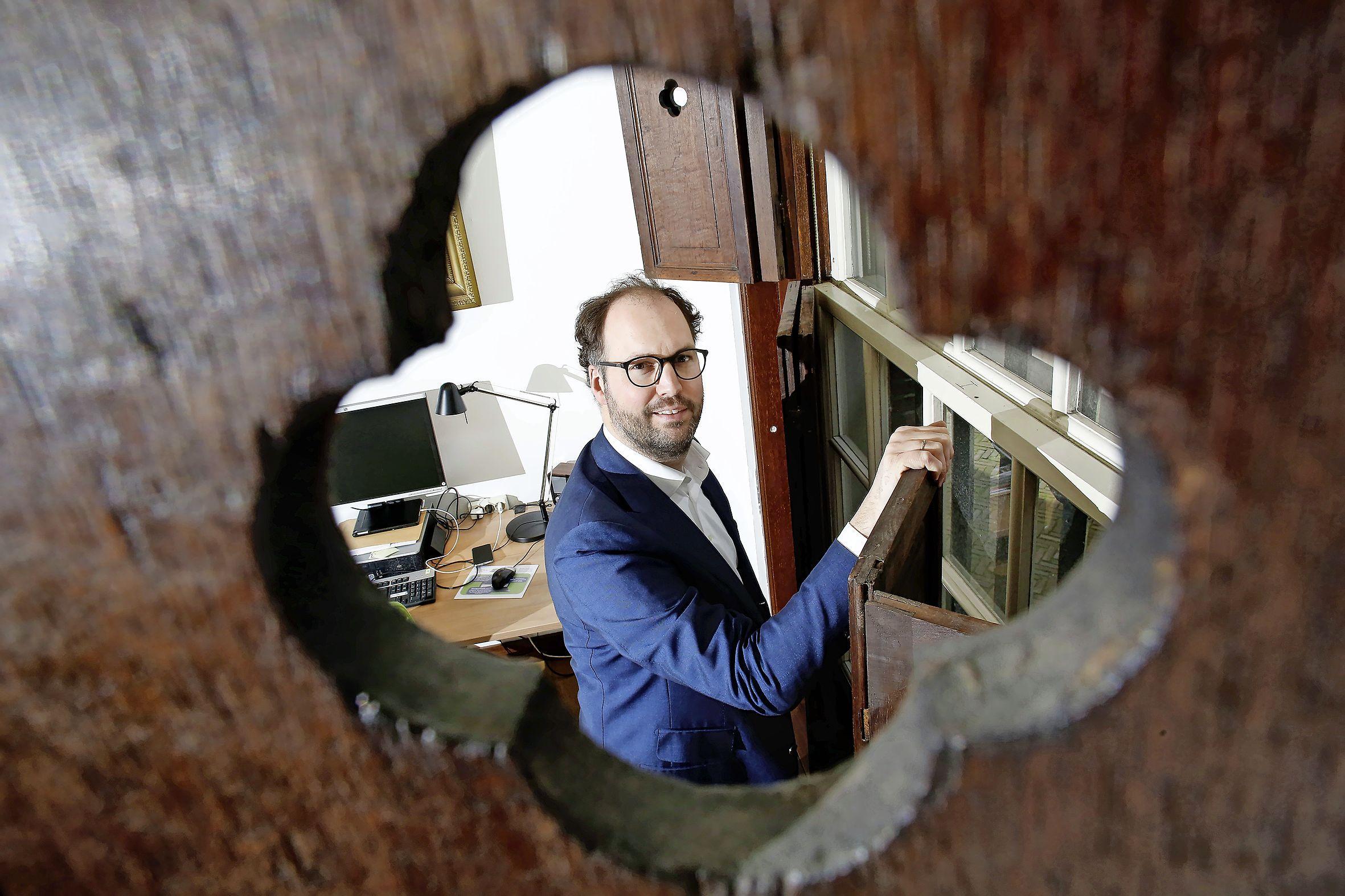 Het zou Weesp alleen maar extra wachtgeld kosten: Geen opvolger voor vertrekkend D66-wethouder Léon de Lange