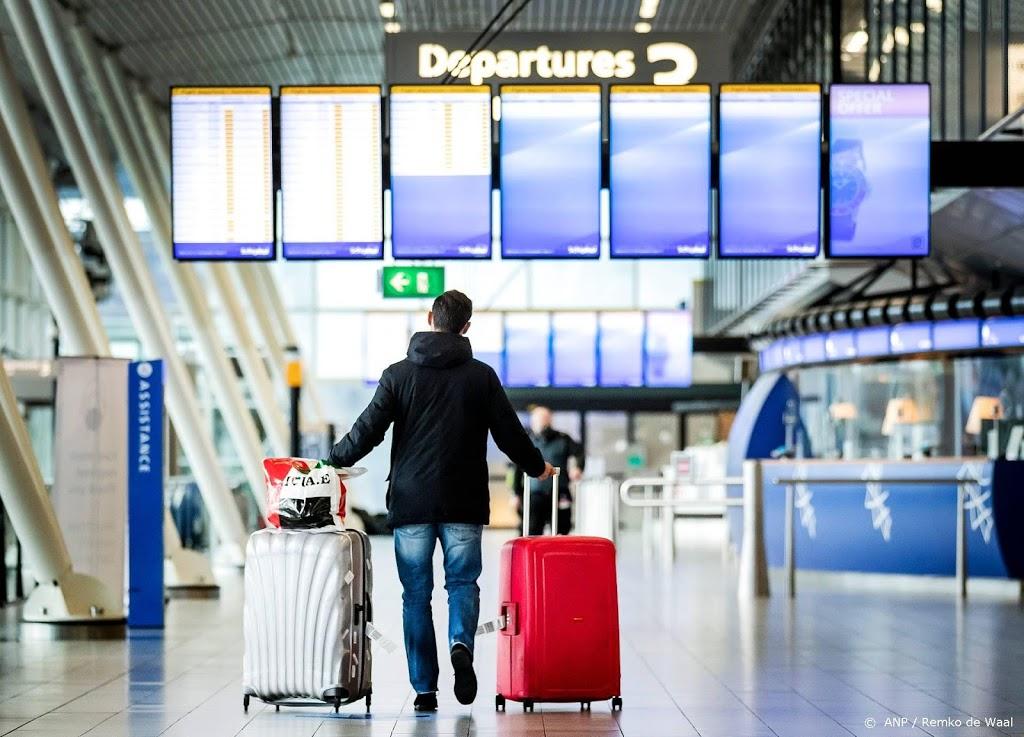 Vliegverkeer Schiphol heeft ook maandag nog last van winterweer