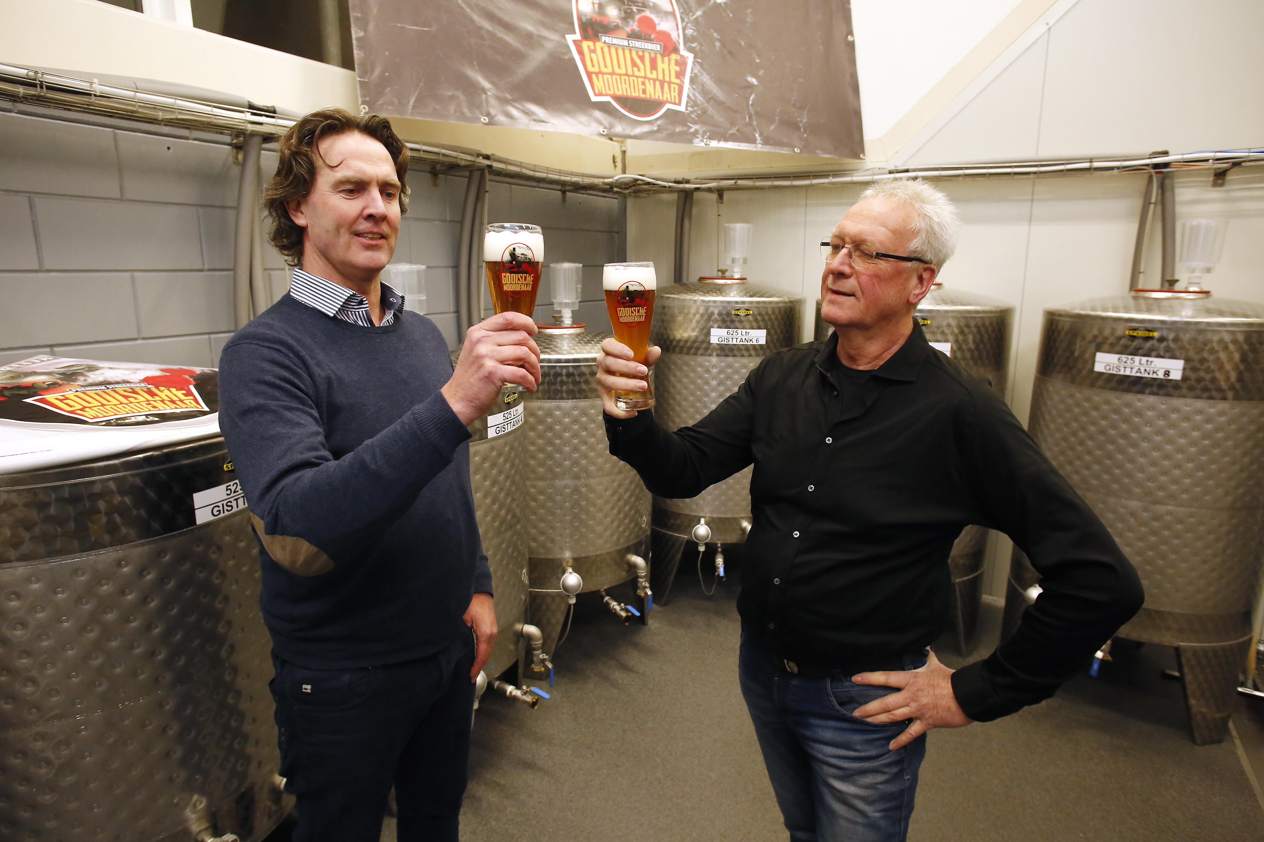 Ambachtelijk bier De Gooische Moordenaar herinnert aan de geschiedenis van een beruchte tramlijn