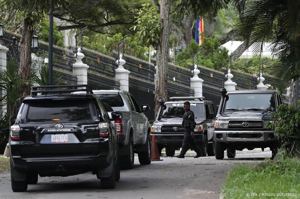 Oppositiepoliticus Lopez ontvlucht Venezuela