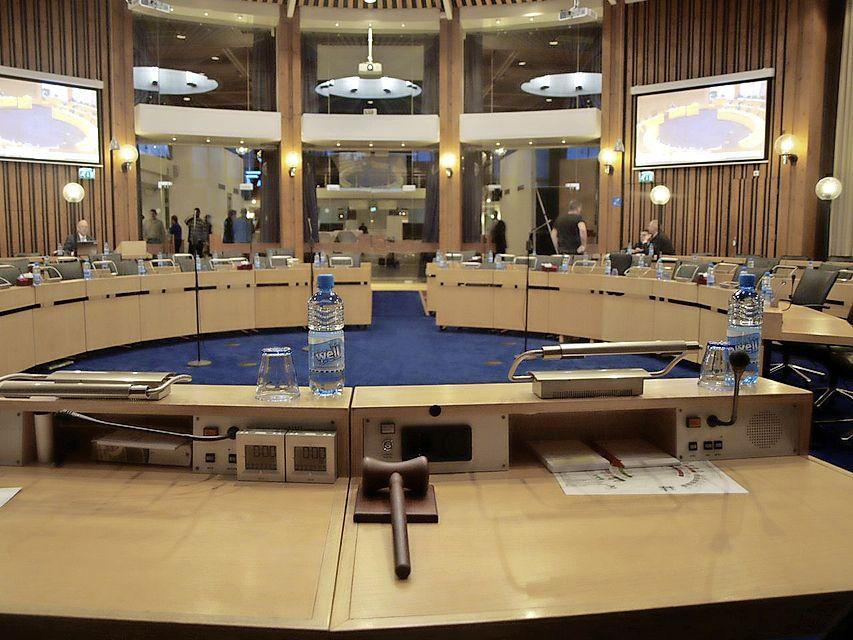 Hard bezuinigingsplan Haarlemmermeer (13,2 miljoen) aangenomen, maar gemeenteraad hoopt dat het niet wordt uitgevoerd