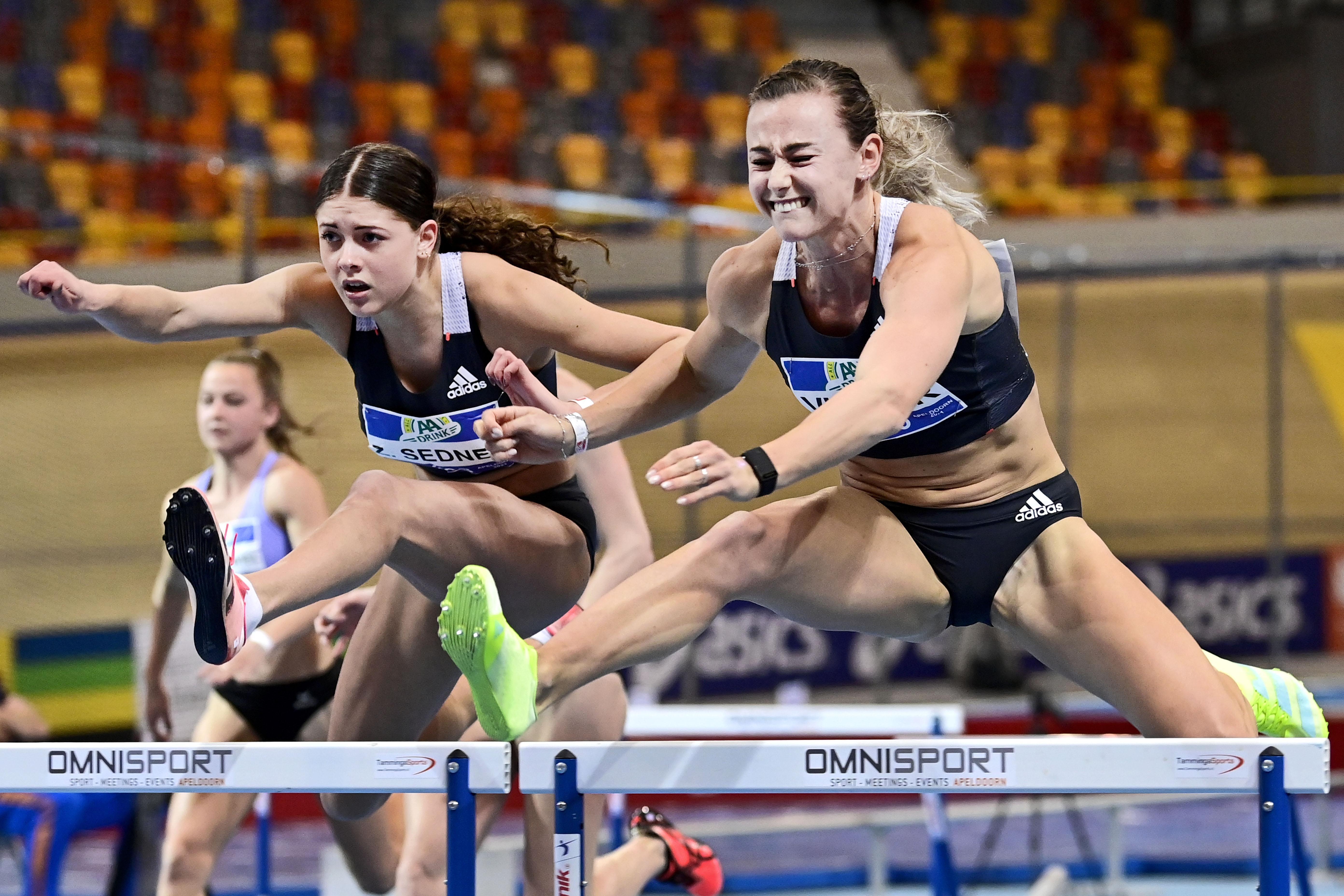 Nadine Visser snelt naar zevende titel op 60 meter horden [video] Hoogkarspelse evenaart beste seizoenstijd