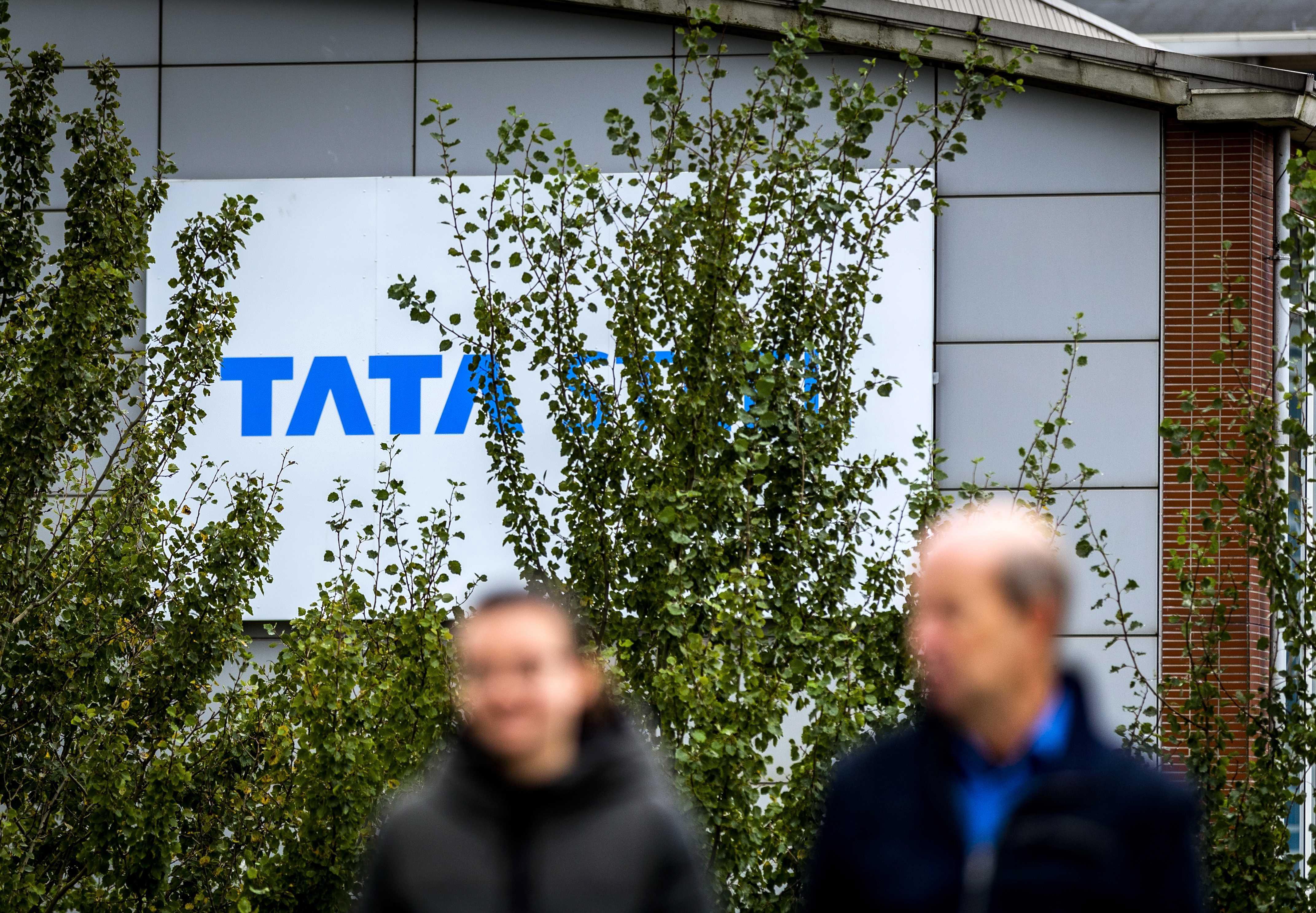 Geschokt verlaten de vakbonden al na 1 minuut de onderhandelingstafel bij Tata Steel