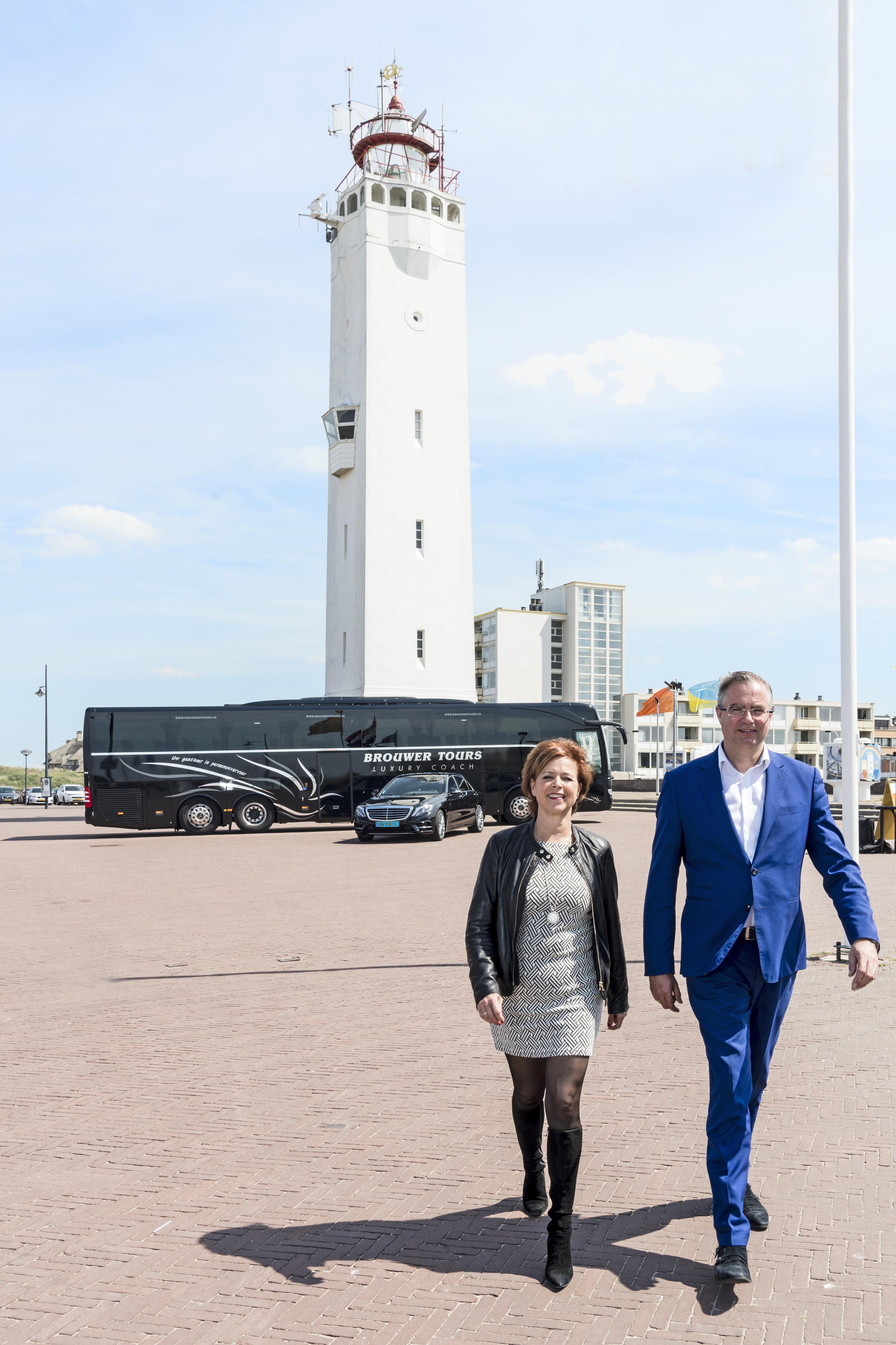 Brouwer Tours in Noordwijk slaat nieuwe wegen in: 'Vorige week was ons parkeerterrein voor het eerst weer leeg'