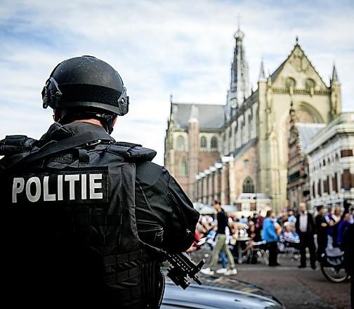 Machiavelliprijs voor bedreigde burgemeester, Wienen neemt prijs in ontvangst