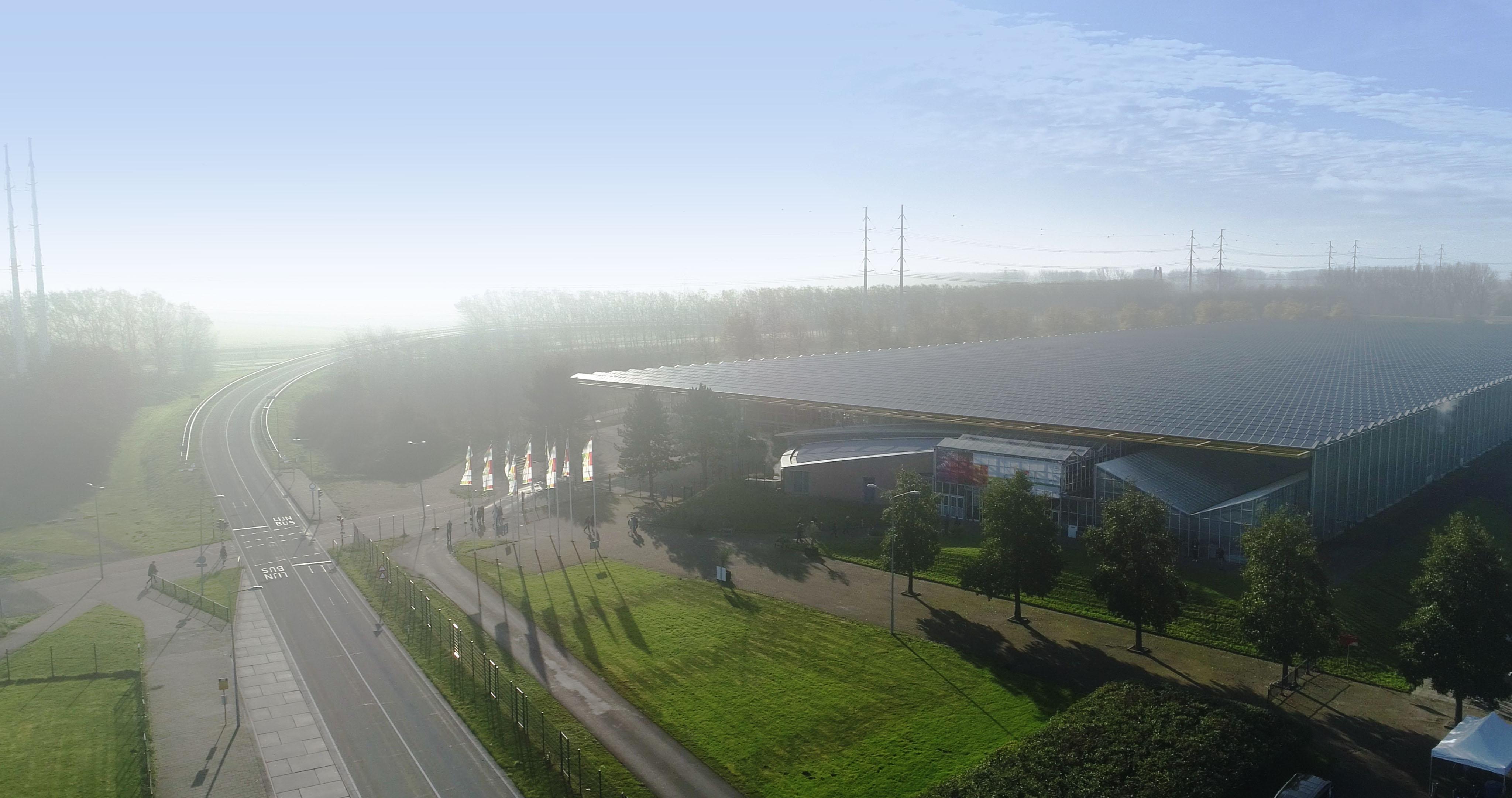 Primeur: stemmen vanuit je auto in de Expo Haarlemmermeer