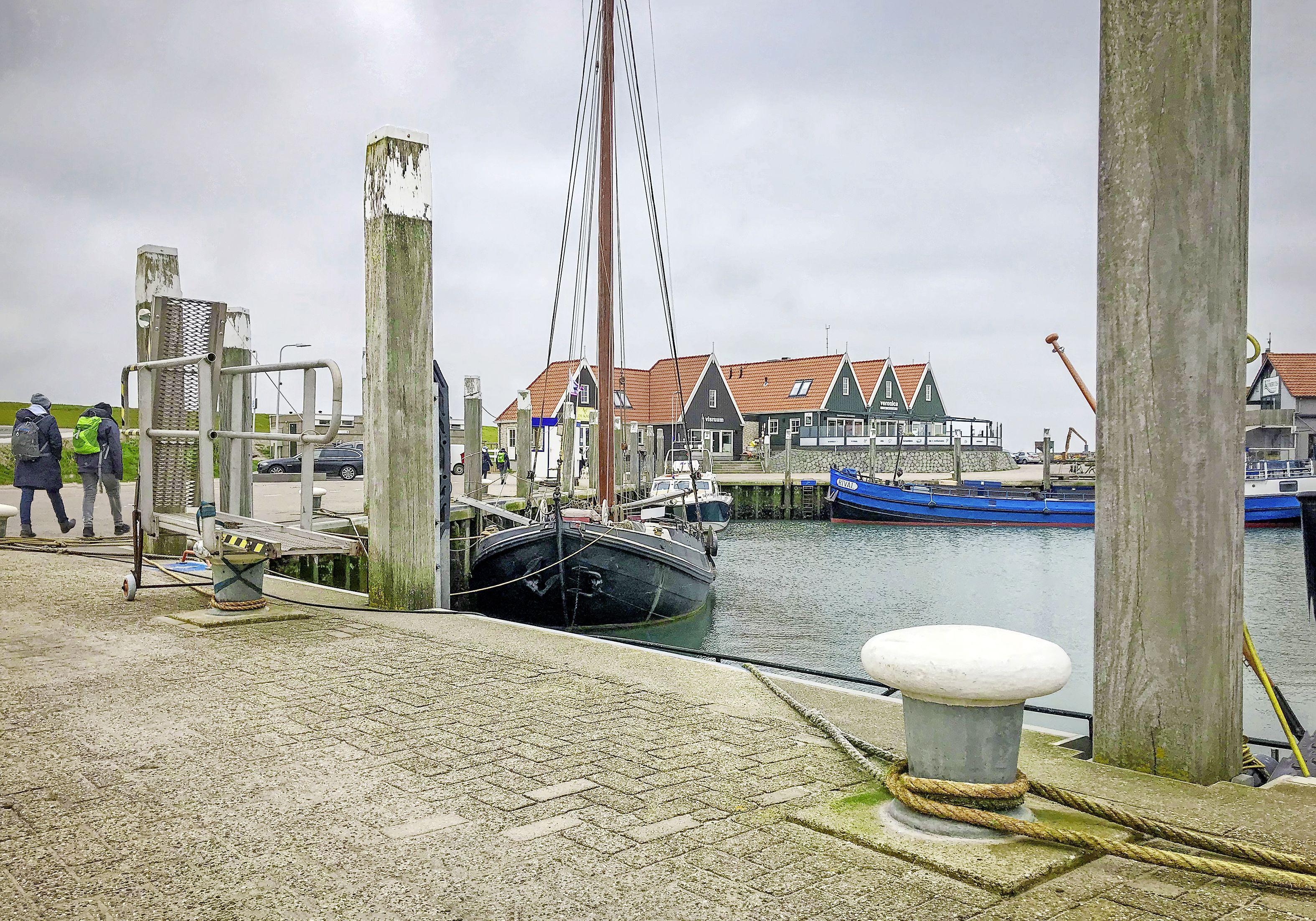 Gemeente Texel maakte fouten bij toekennen van vergunning voor een ligplaats voor een rondvaartboot in de haven van Oudeschild