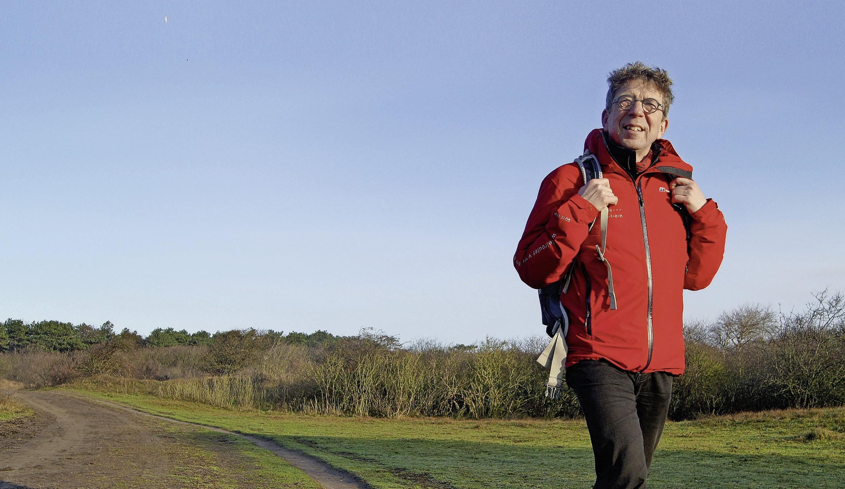 'Mijn beroep is dus wandelroutemaker.' Rutger Burgers loopt het liefst onverhard
