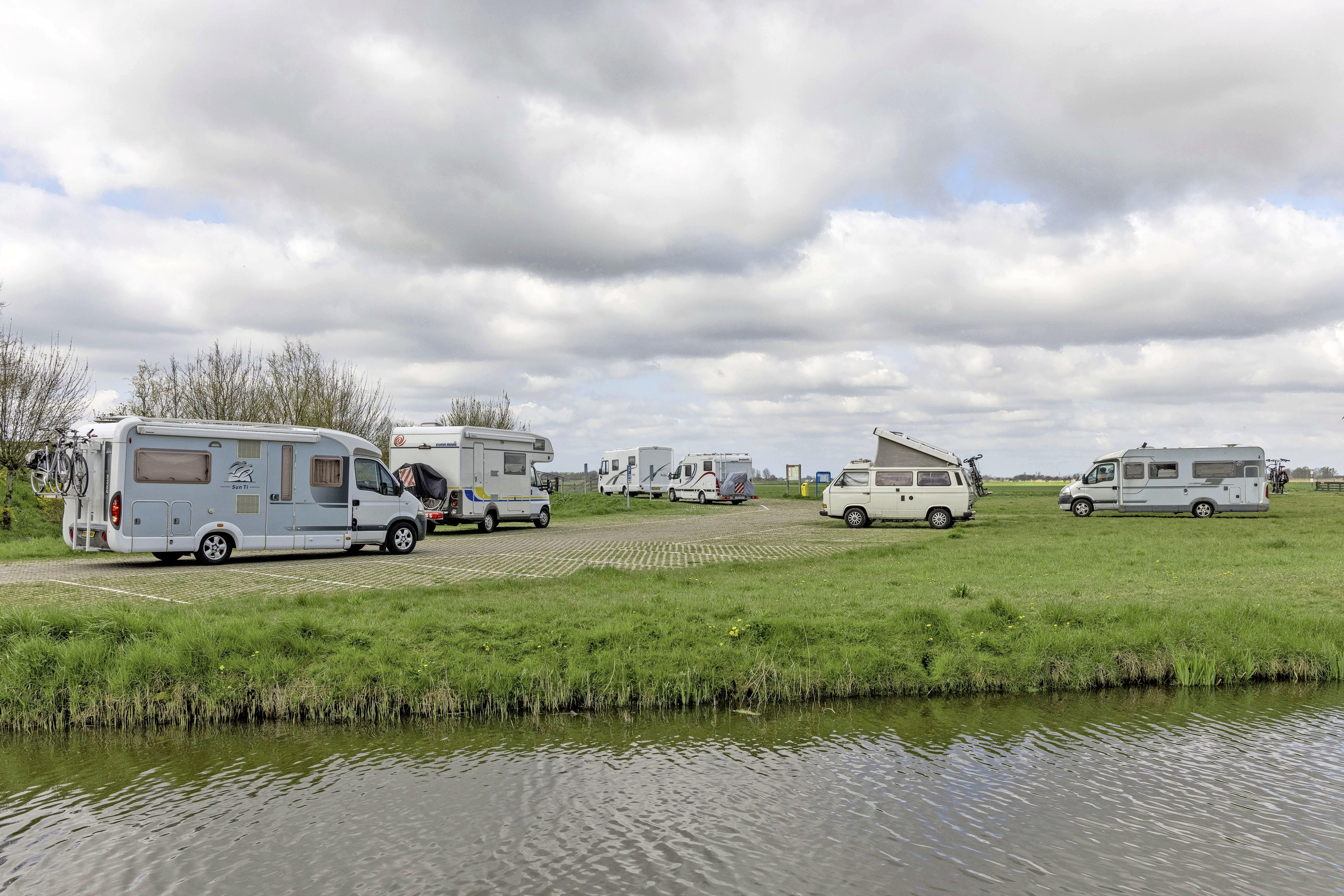 West-Friesland bereidt zich voor op invasie campers: 'Mensen blijven nu hier'