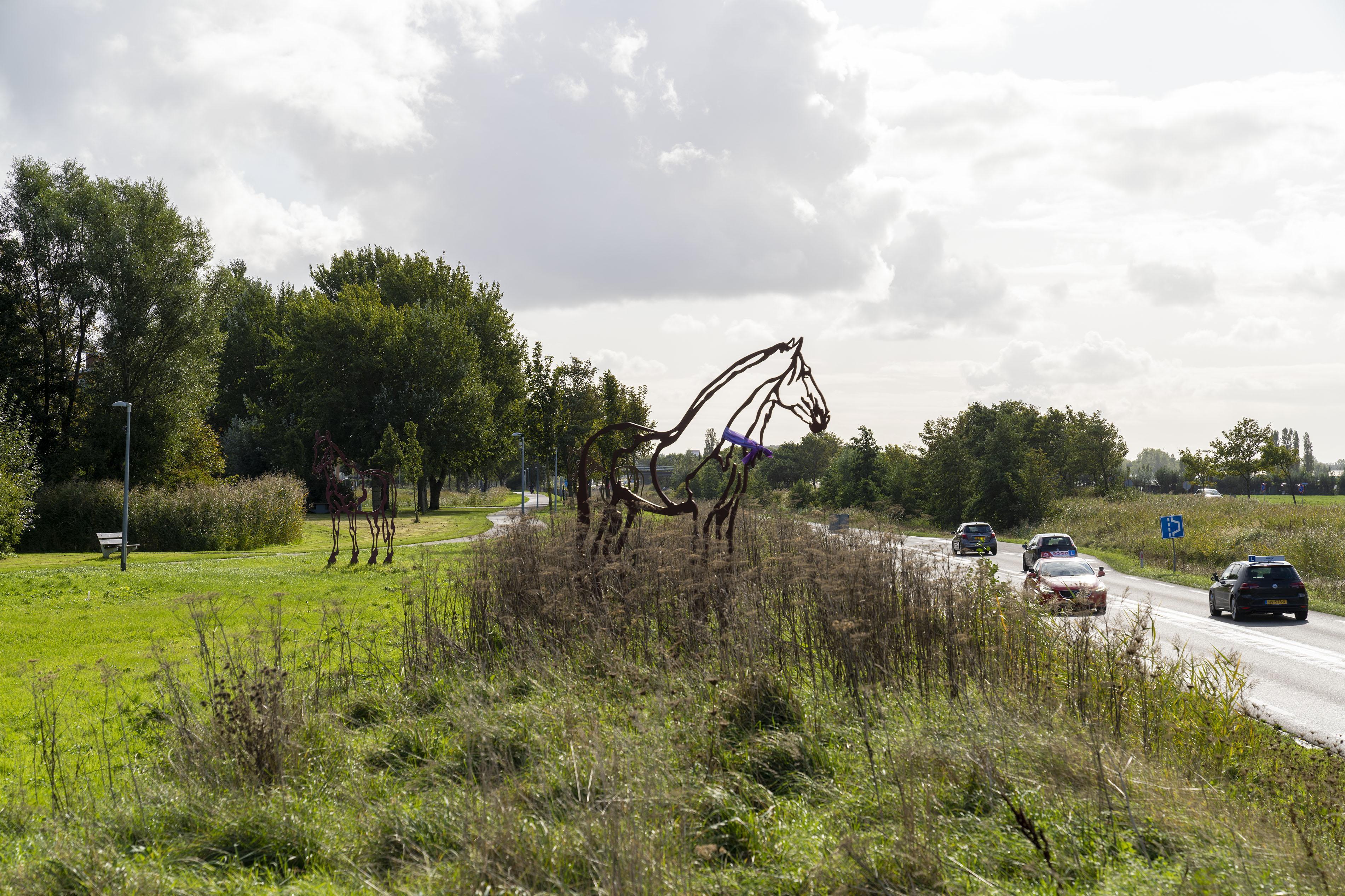 Valkenburger draagt 'veiliggesteld' paardenkunstwerk over aan gemeente: 'Blij dat de politie het onderzoek nu laat liggen'
