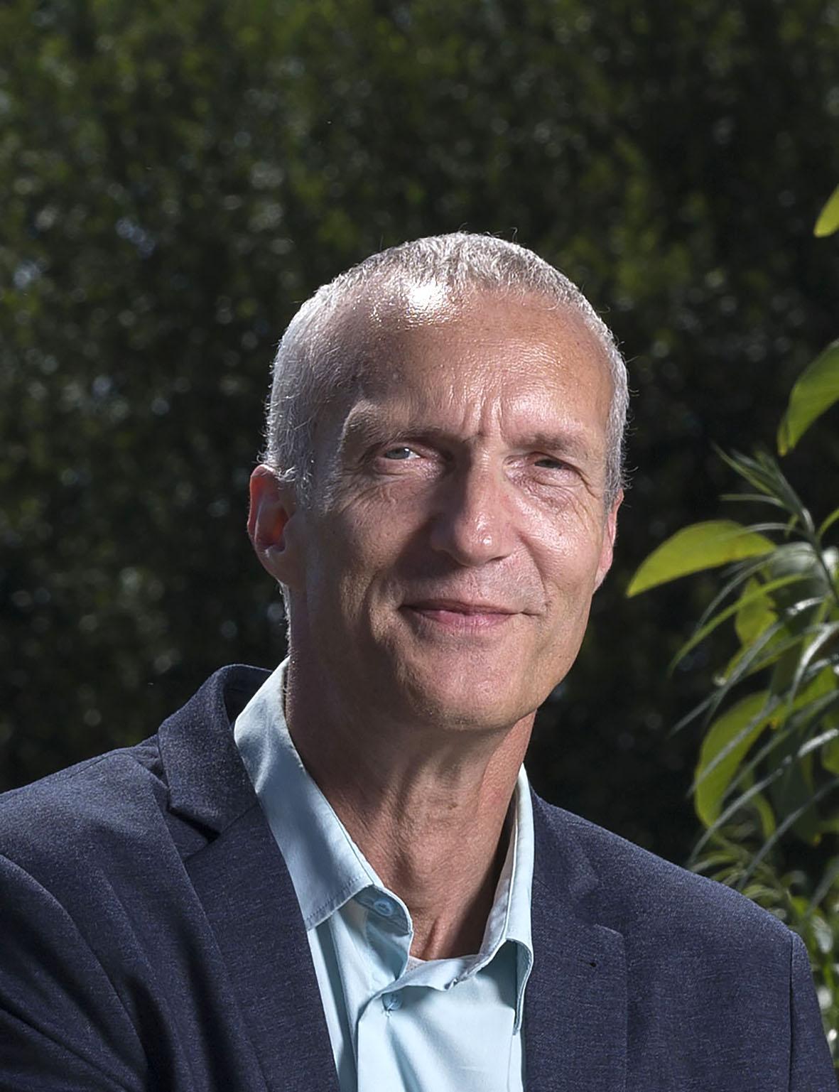 Wethouder van een coalitiepartij, partijvoorzitter van een oppositiepartij. Helders raadslid Marinus Vermooten: 'Wij willen Remco Duijnker niet langer als partijvoorzitter'