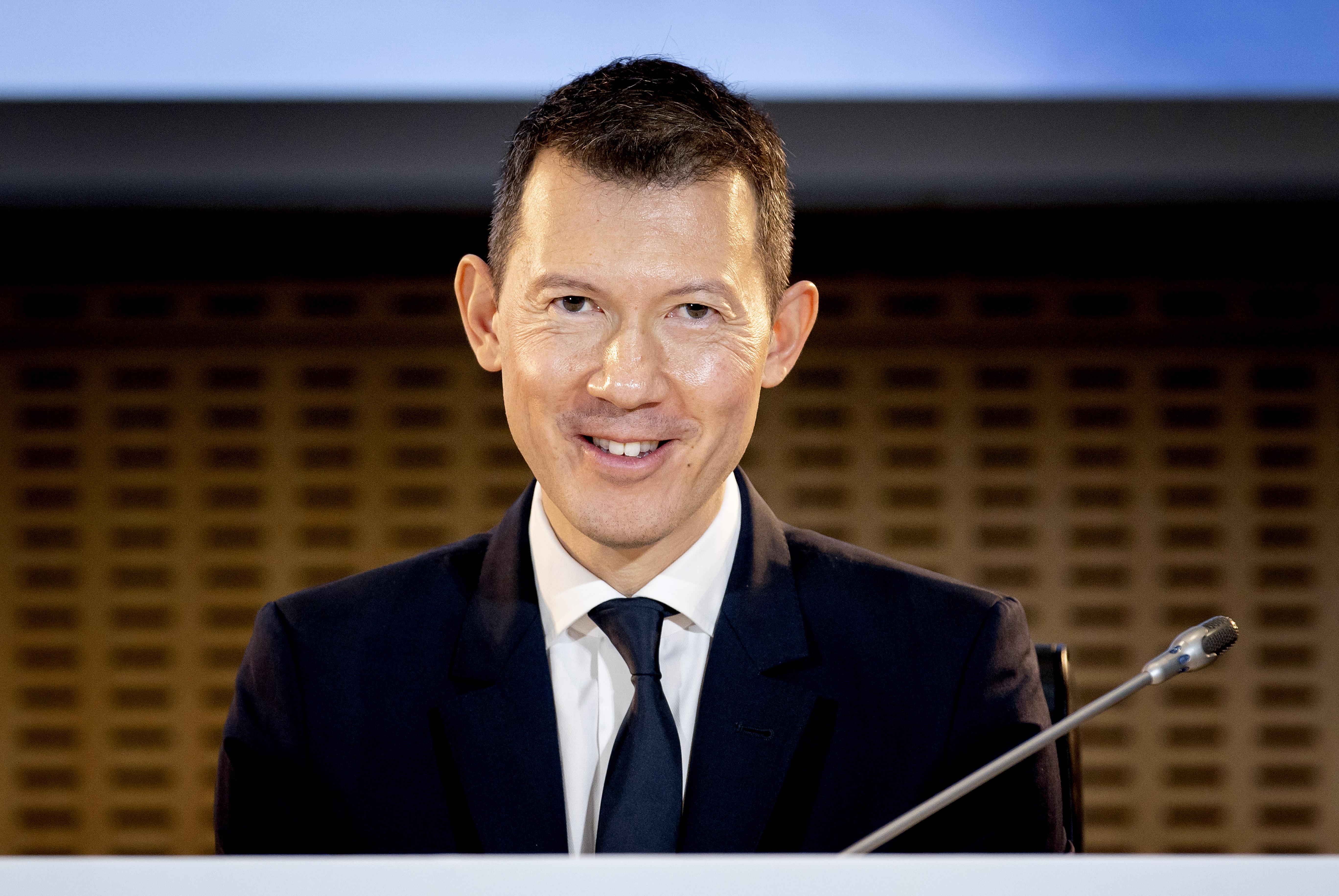 Vooruitgeschoven pion van topman Ben Smith bemoeit zich met de reorganisatie bij KLM