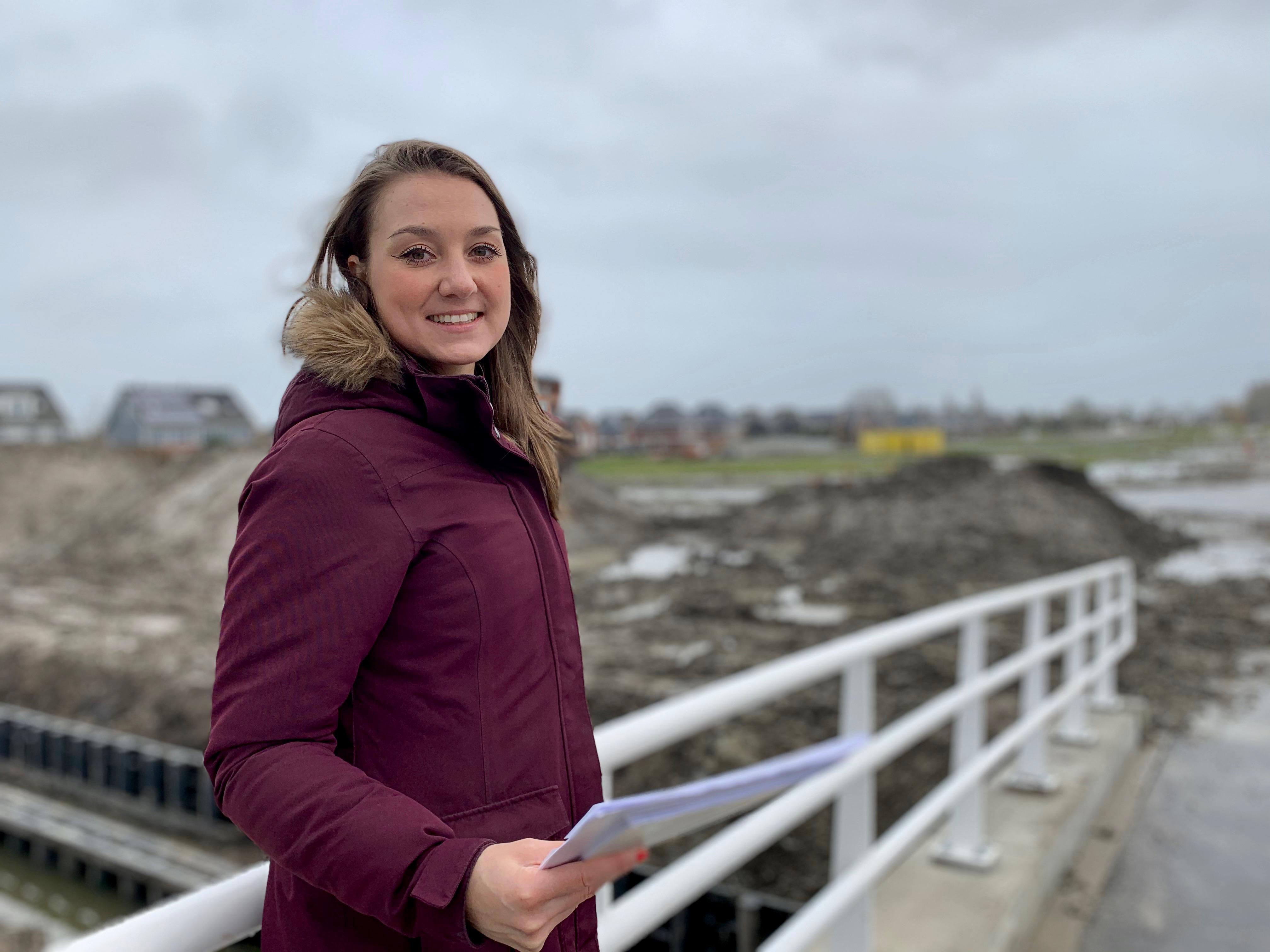 Archeoloog Maaike speurt naar verhalen over wijk Reigersborg in Hoogkarspel