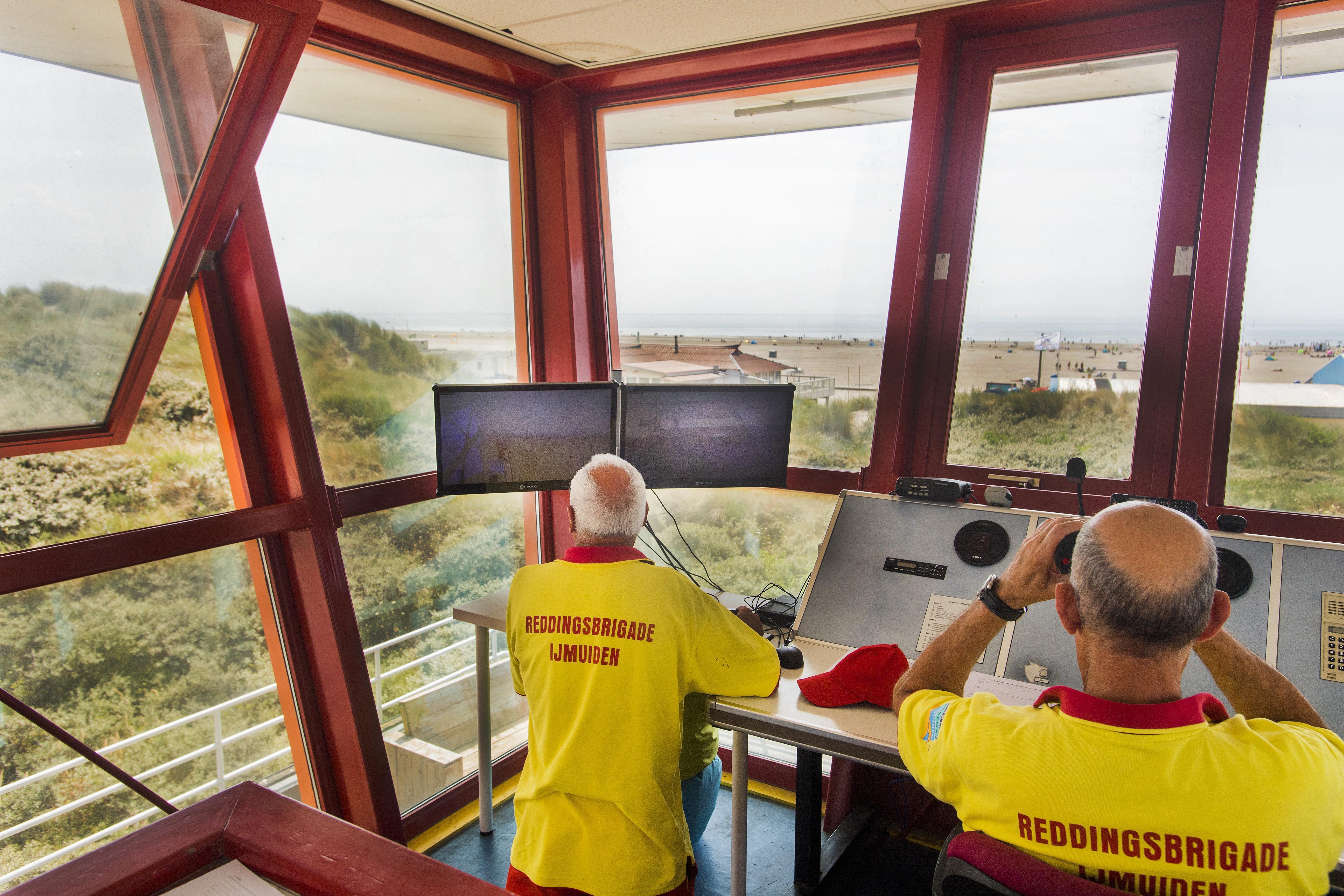 Het blijft behelpen met reddingspost IJmuiden: door aangegroeid duin nóg slechter zicht op het strand
