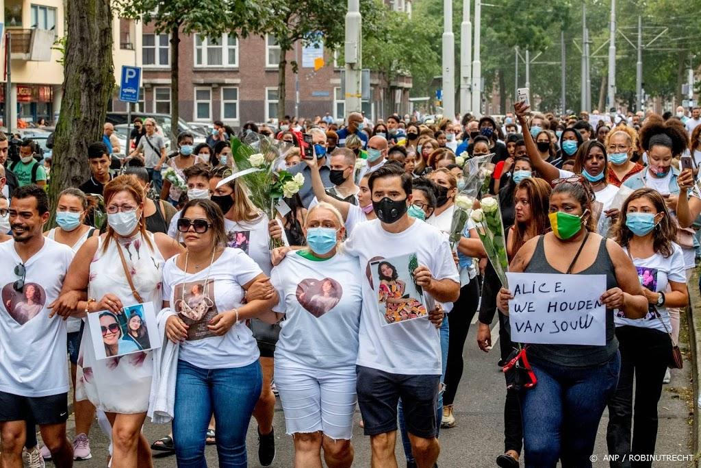 Ruim honderd mensen lopen stille tocht voor doodgestoken Alice