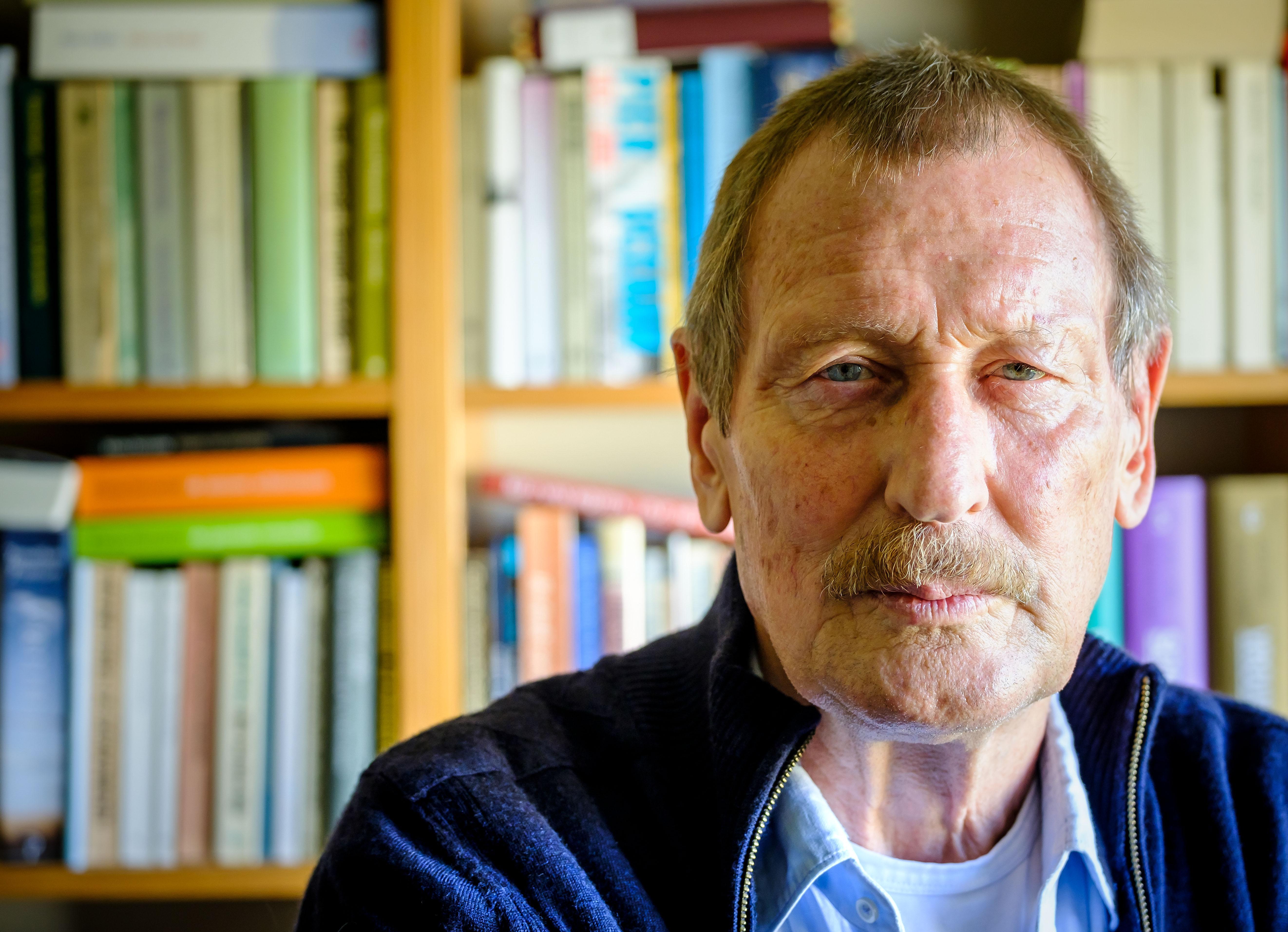 Dichter Hans Tentije centraal tijdens online poëziesymposium Alkmaar Dichtstad