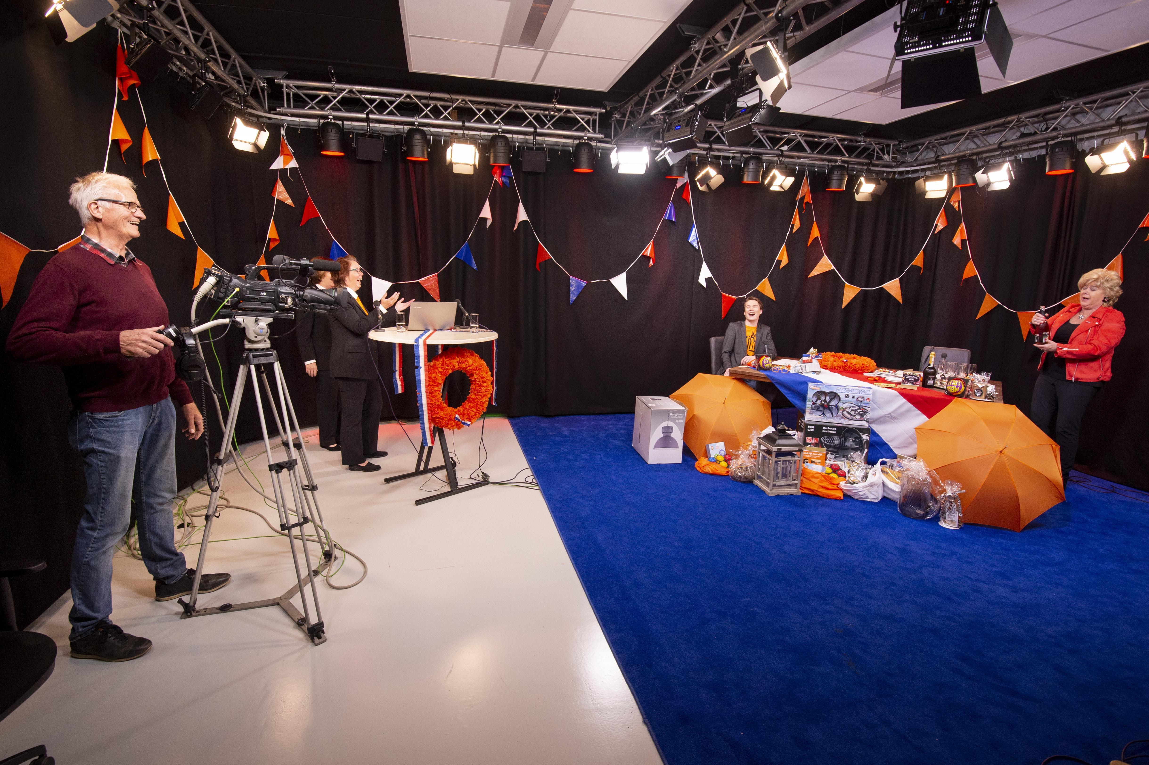 Katwijkse thuisblijf-televisie met een koninklijk tintje