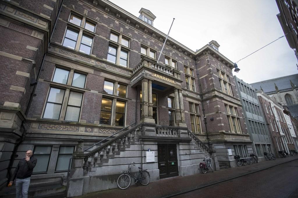 Woningcorporatie wil dat huurders woning in Haarlem-Parkwijk verlaten na wapenvondst, bewoner zit groot deel van het jaar in Turkije