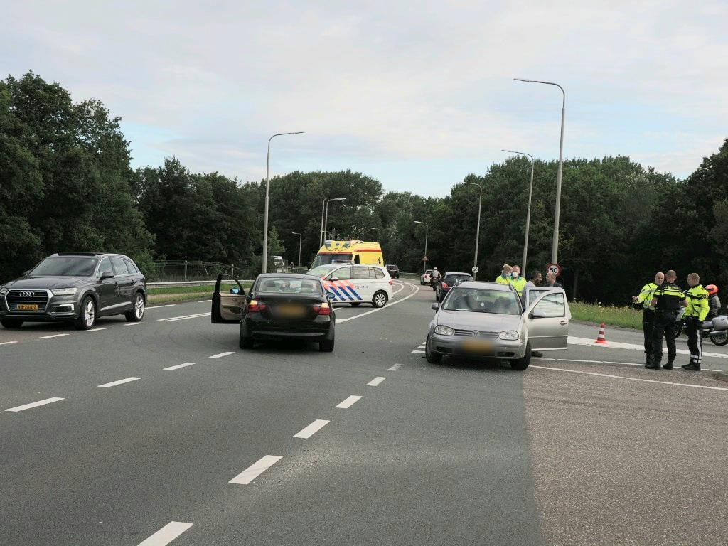Vertraging na botsing tussen twee auto's in Velsen-Zuid