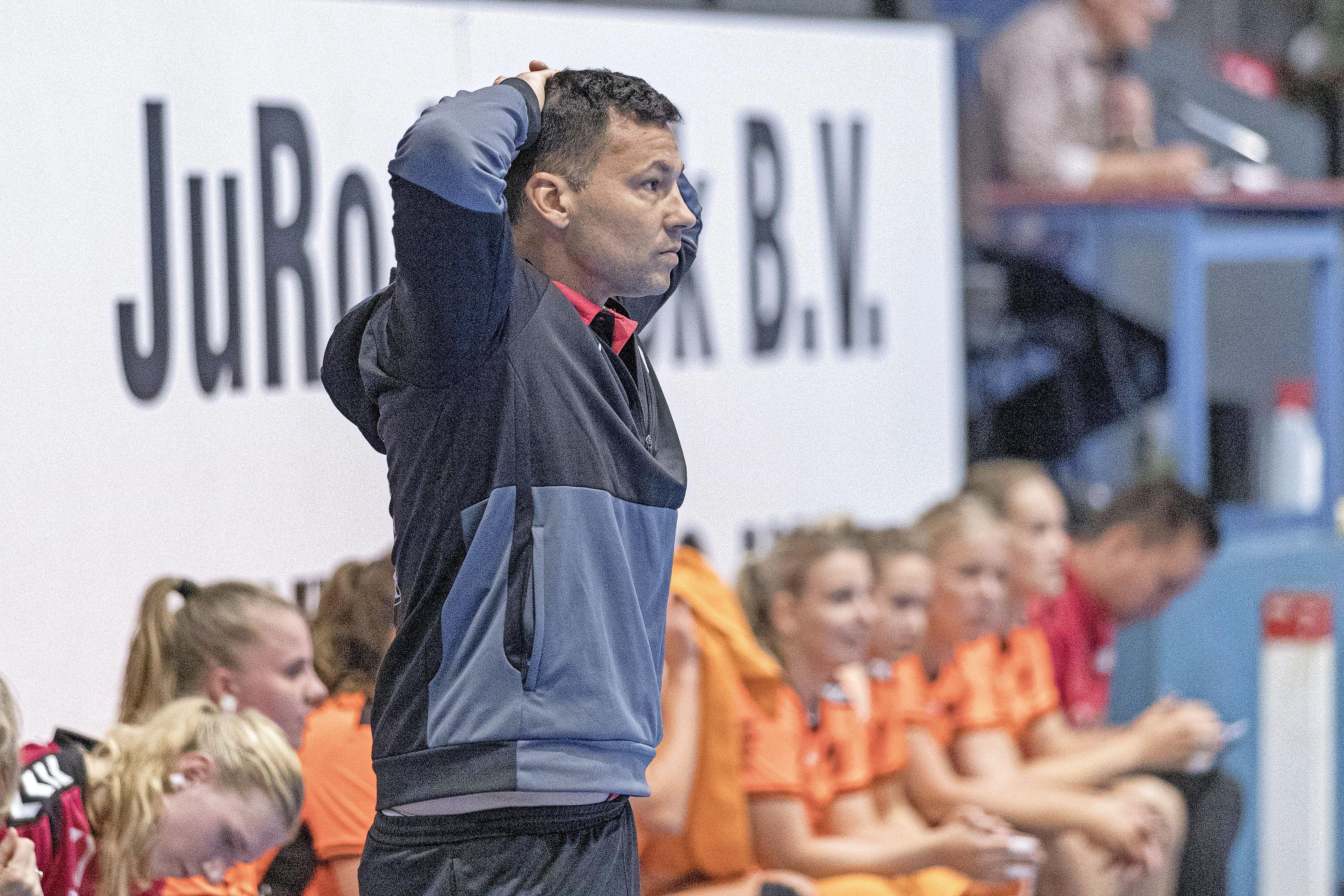 Mark Ortega stapt over naar mannenploeg HV Volendam, voor vrouwen wordt nieuwe coach gezocht: 'We gaan met hem een stevige stap nemen voor de toekomst'