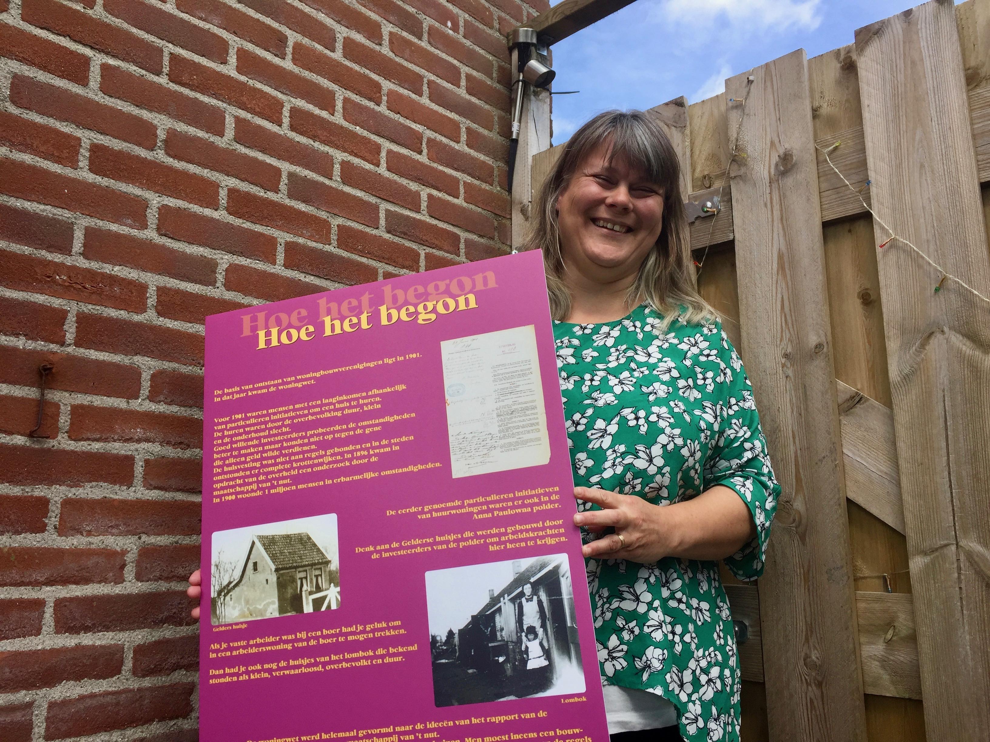 Geschiedenis van Woningstichting Anna Paulowna zat in kartonnen map dat met een touwtje was dichtgebonden