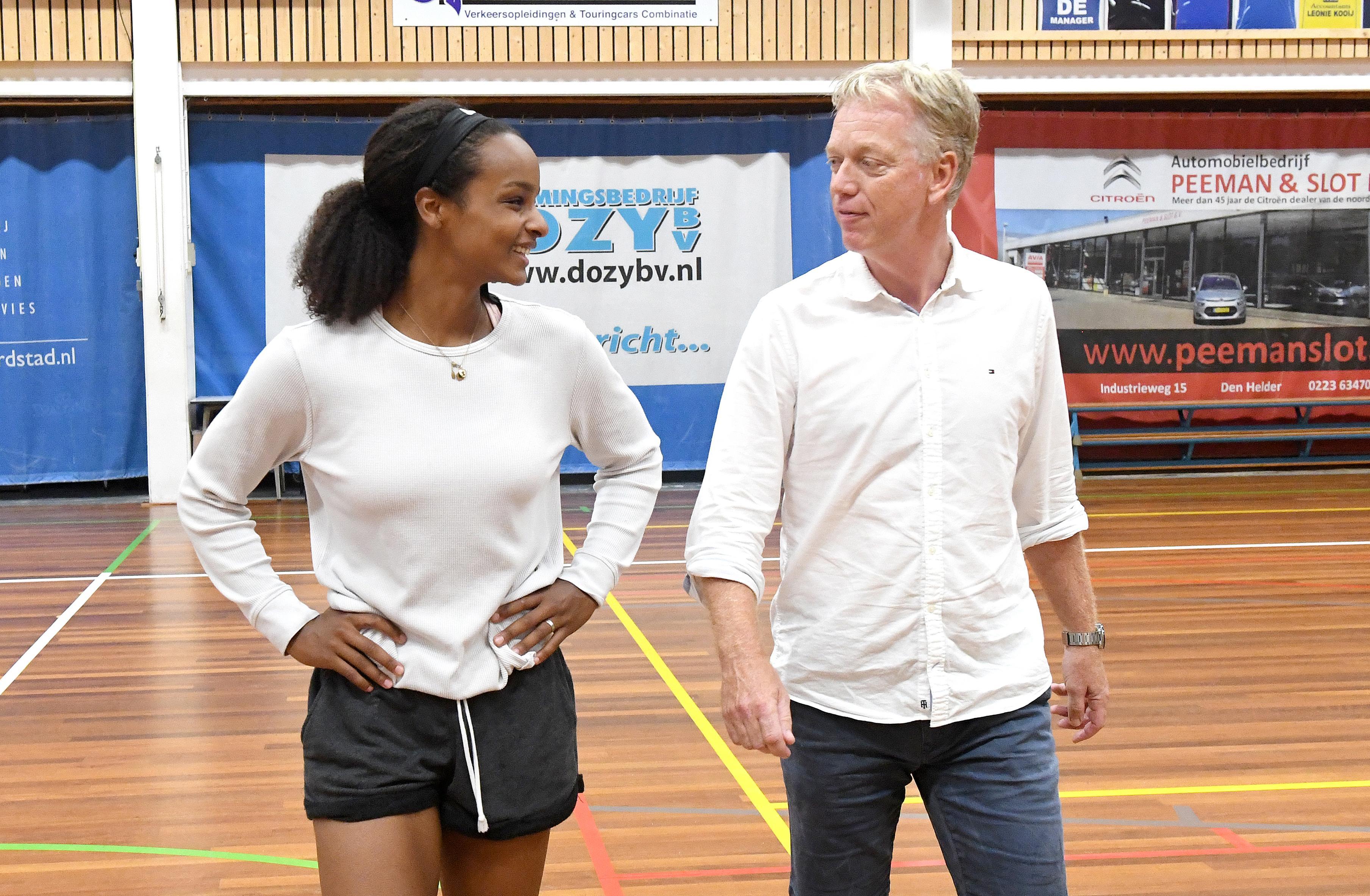 Basketbalster Kourtney Treffers telt haar zegeningen en keert terug bij Den Helder. Mario Bennes: 'Van zo'n speelster kan een coach in de eredivisie alleen maar dromen'