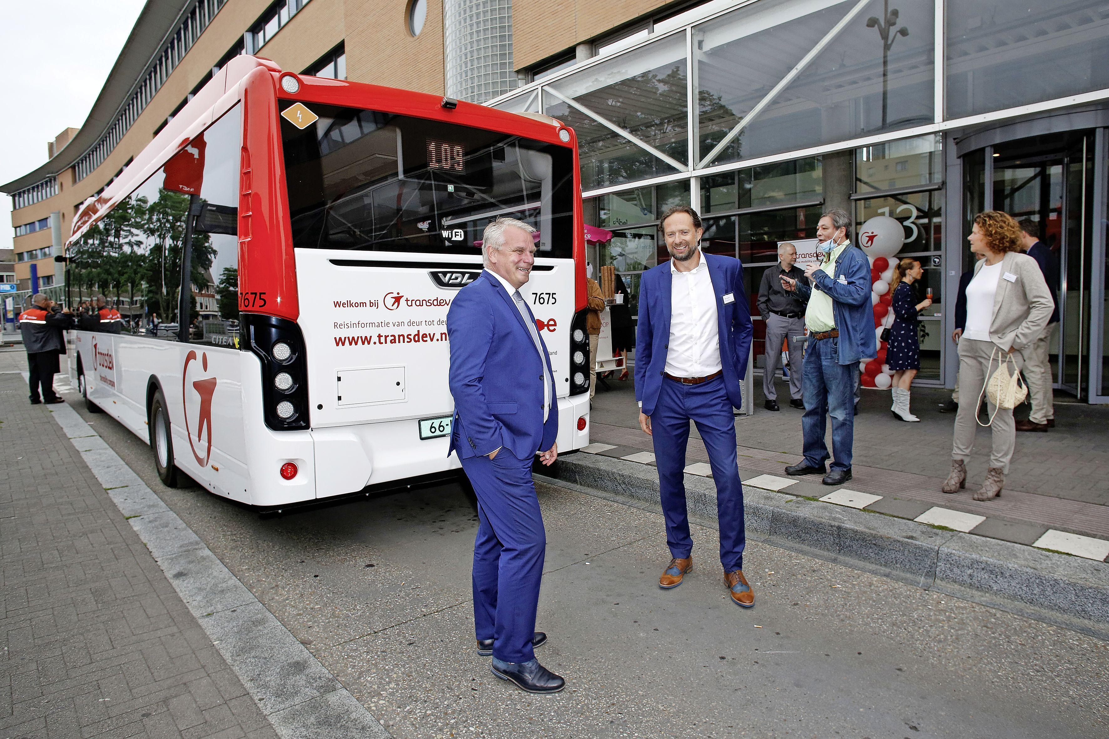 Dag Connexxion, hallo Transdev; busvervoer in de regio verschiet van kleur en wordt stil. Reizigers wacht eerlijker tarieven voor ov-reizen in Gooi en Vechtstreek